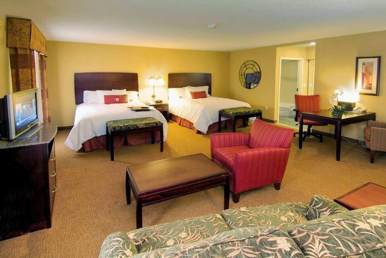 Hampton Inn & Suites San Antonio-Airport image 10