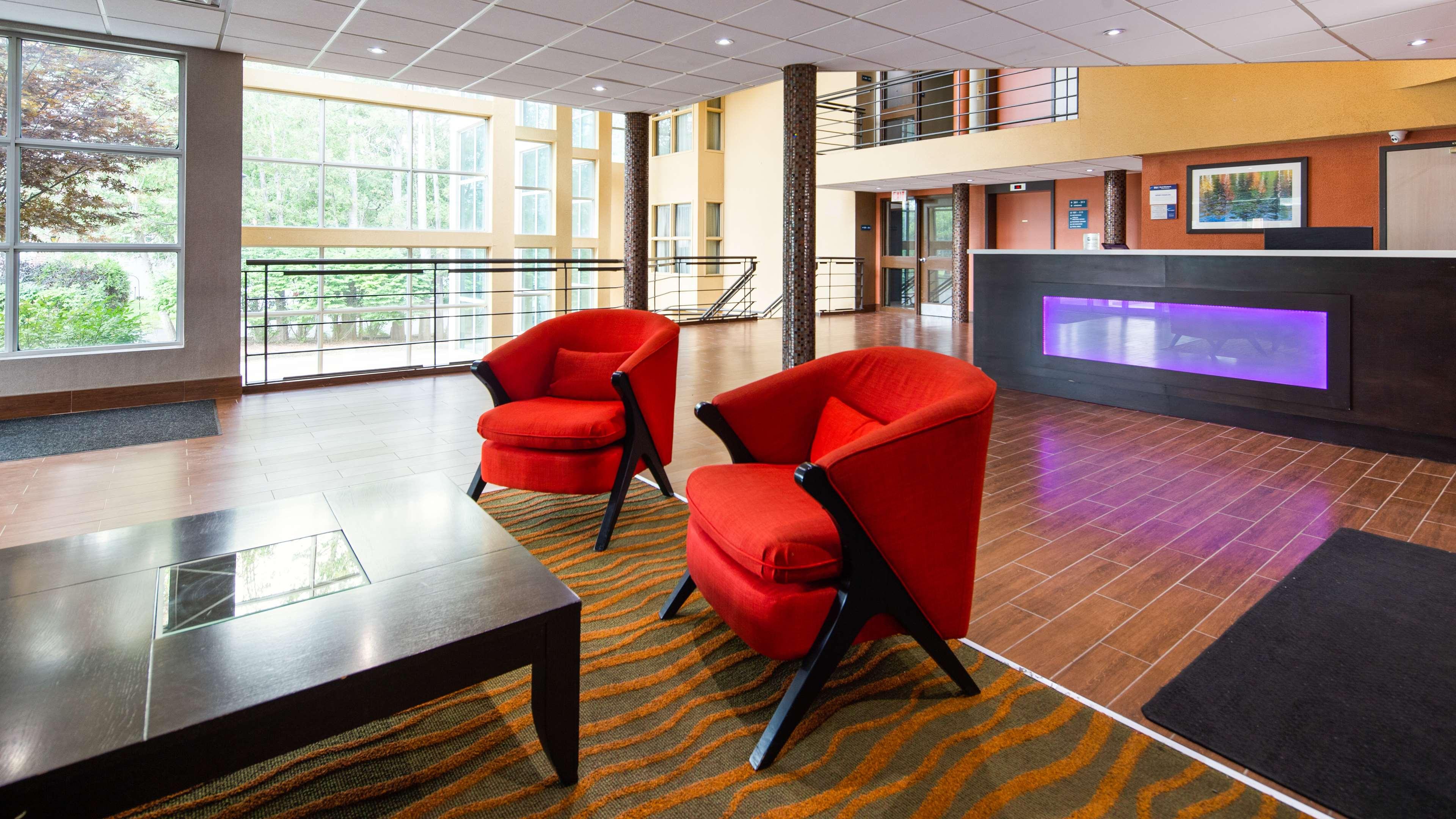 Best Western Little River Inn à Simcoe: Hotel Lobby