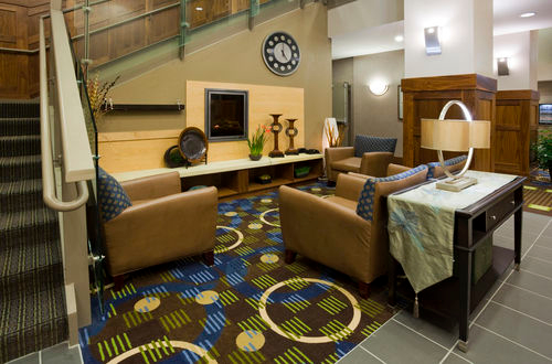 Holiday Inn Express & Suites Mankato East image 3