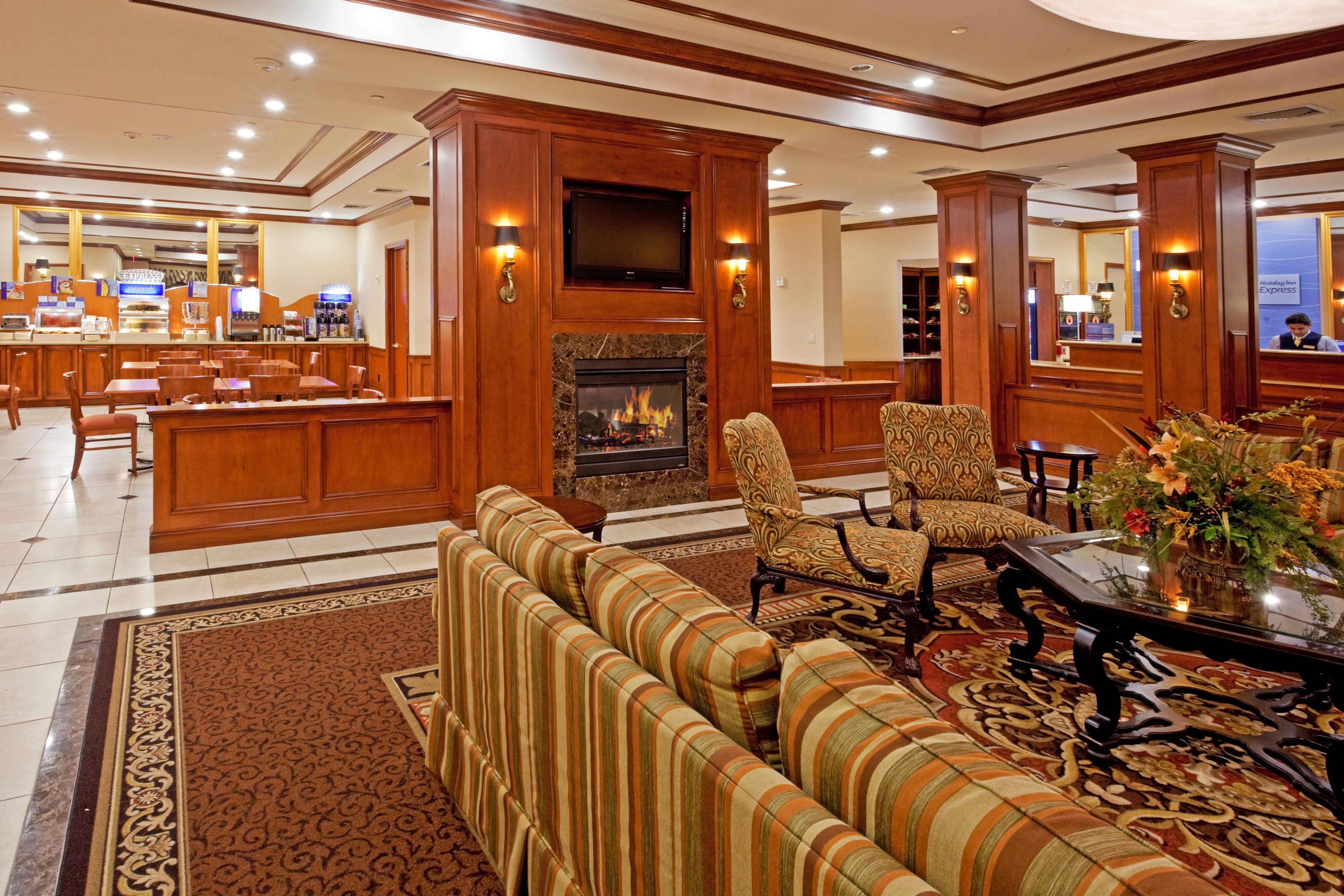 Holiday Inn Express Lynbrook - Rockville Centre image 7