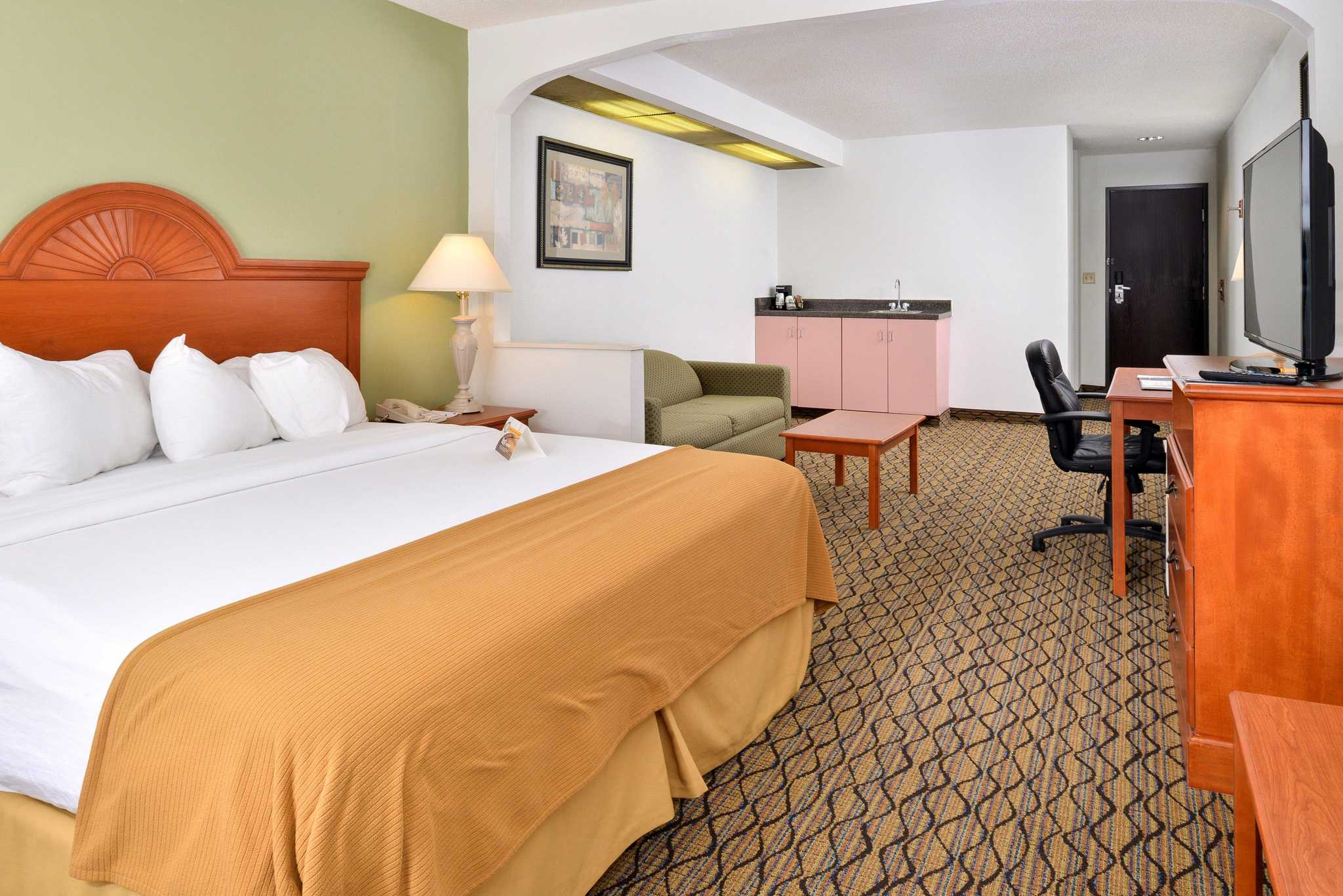 Quality Inn & Suites Jefferson City image 4