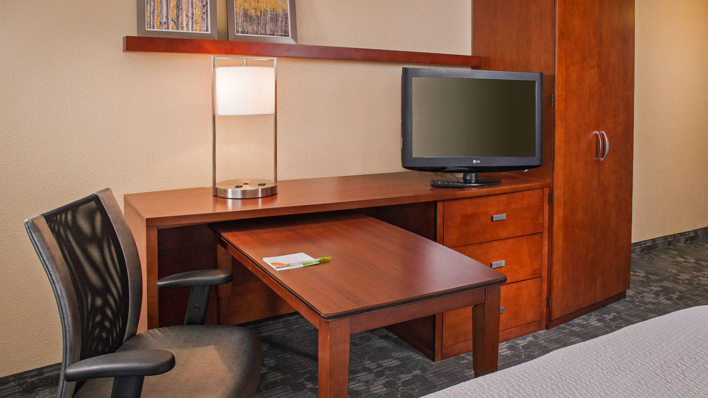 Courtyard by Marriott Charlotte University Research Park image 6