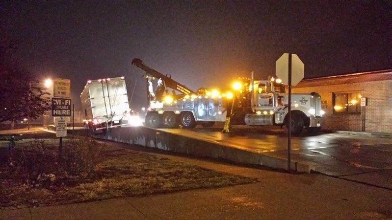 Benefiel Truck Repair & Towing image 11