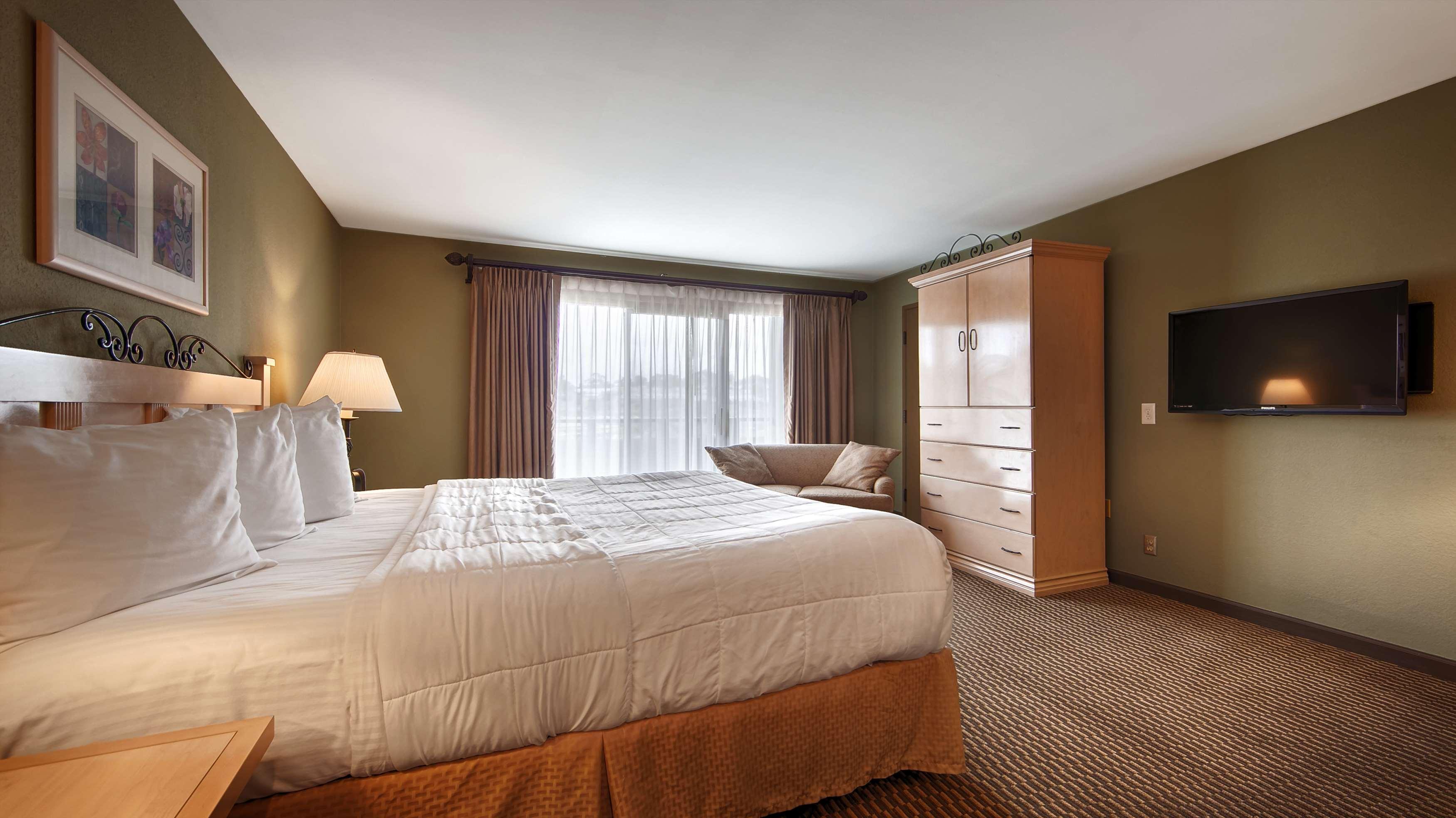 Best Western Encinitas Inn & Suites at Moonlight Beach image 18