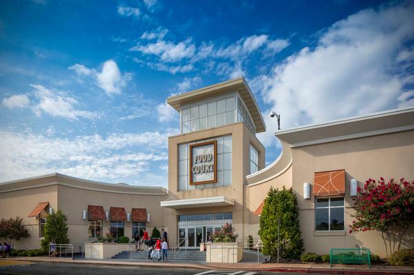 Cumberland Mall image 12
