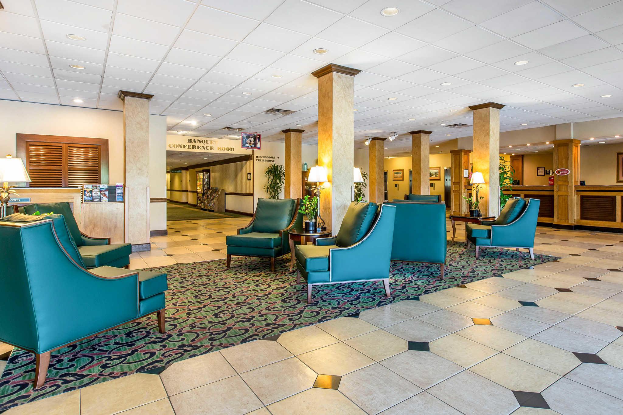 Clarion Hotel Anaheim Resort image 1