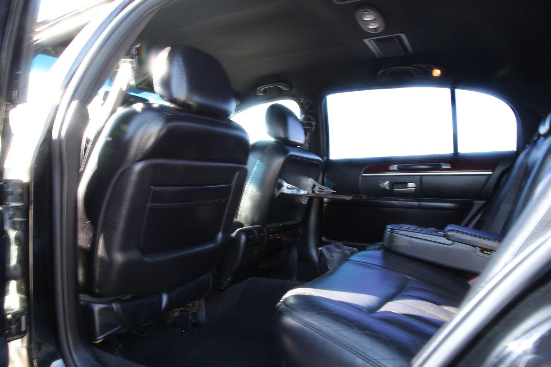 Royalty Limousine Services Inc image 4