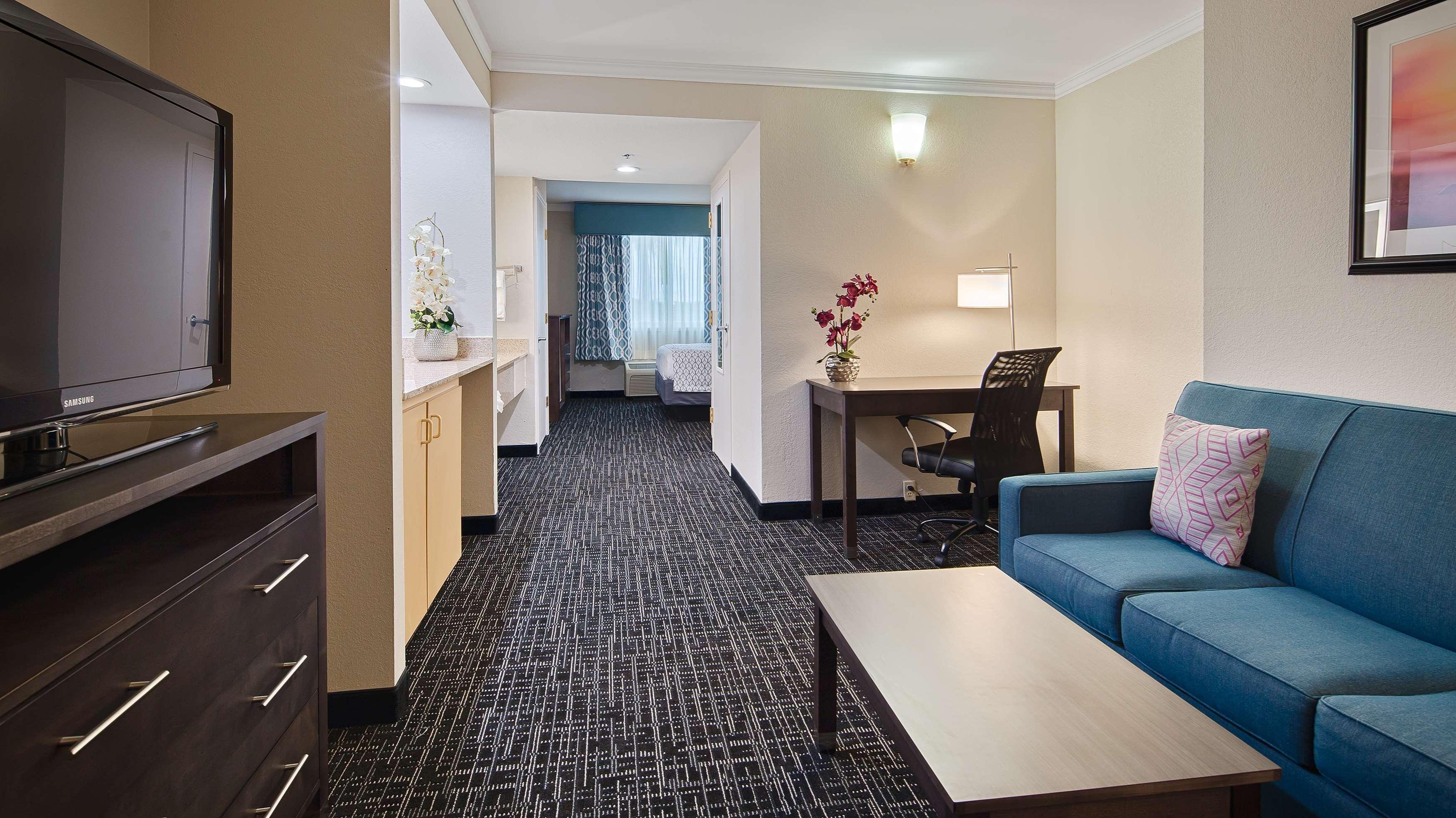 Best Western Fort Myers Inn & Suites image 12
