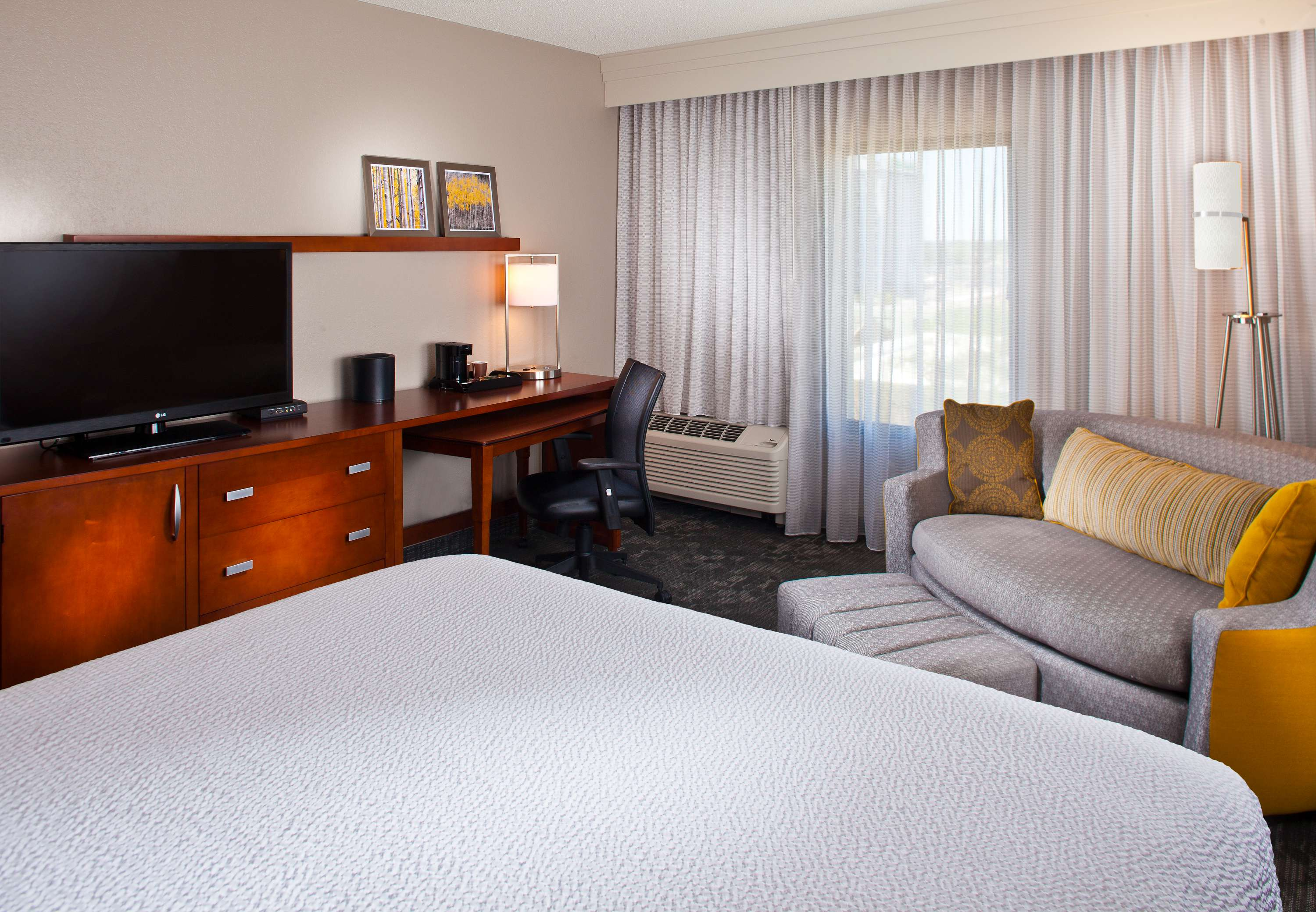 Courtyard by Marriott New Orleans Metairie image 12