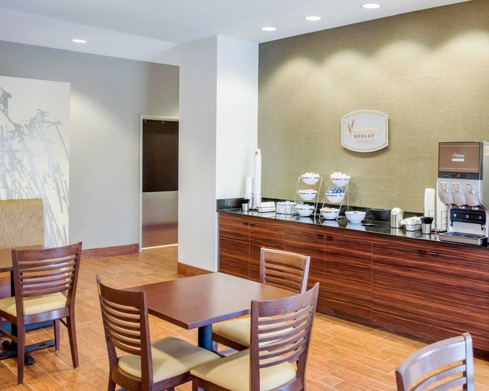 Sleep Inn & Suites Parkersburg-Marietta image 11