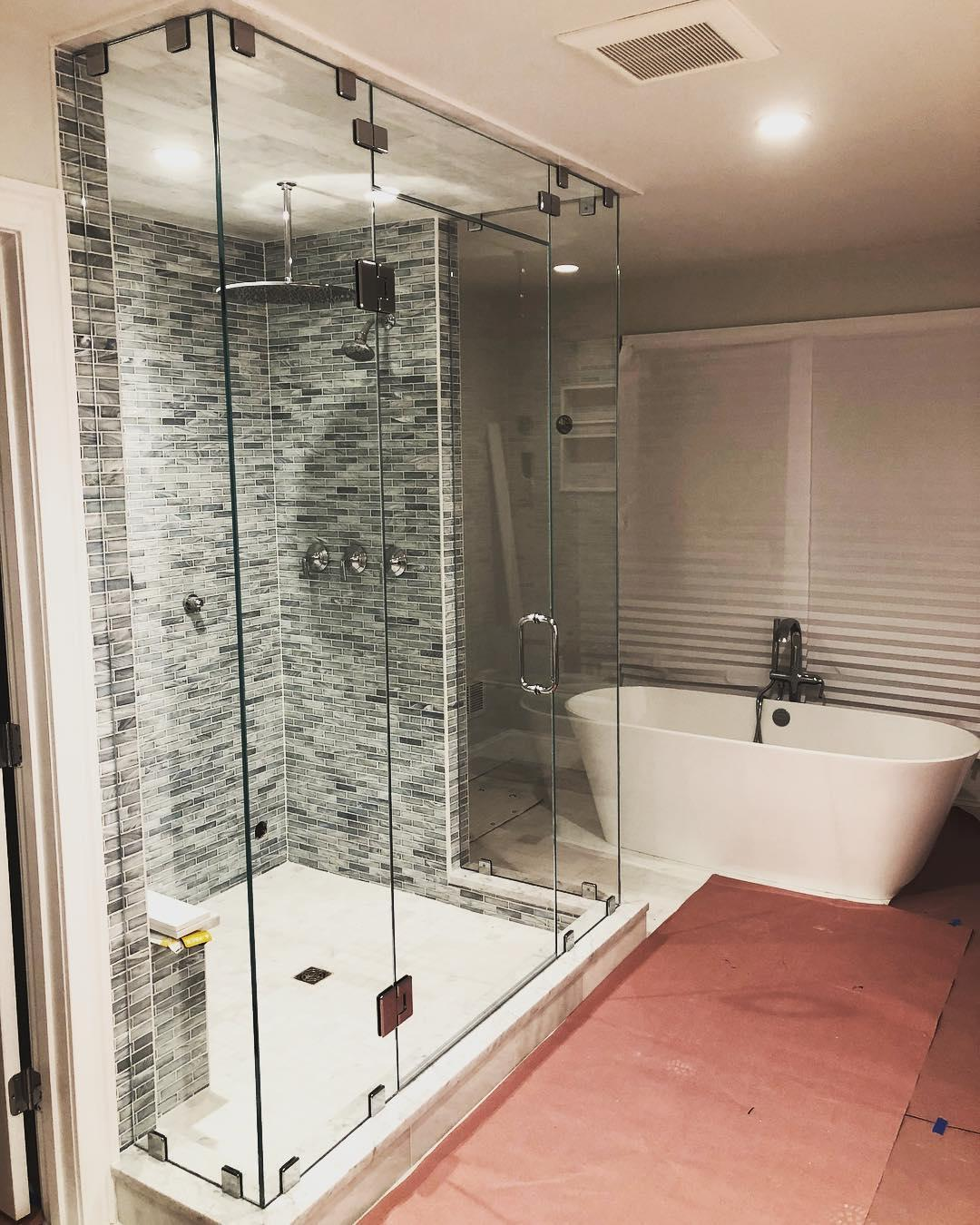 SouthShore ShowerDoor image 3