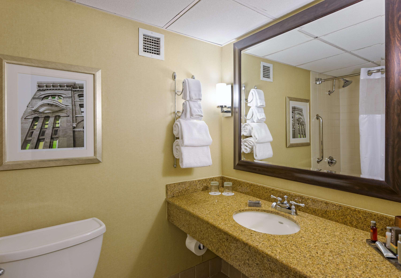 Houston Marriott West Loop by The Galleria image 10