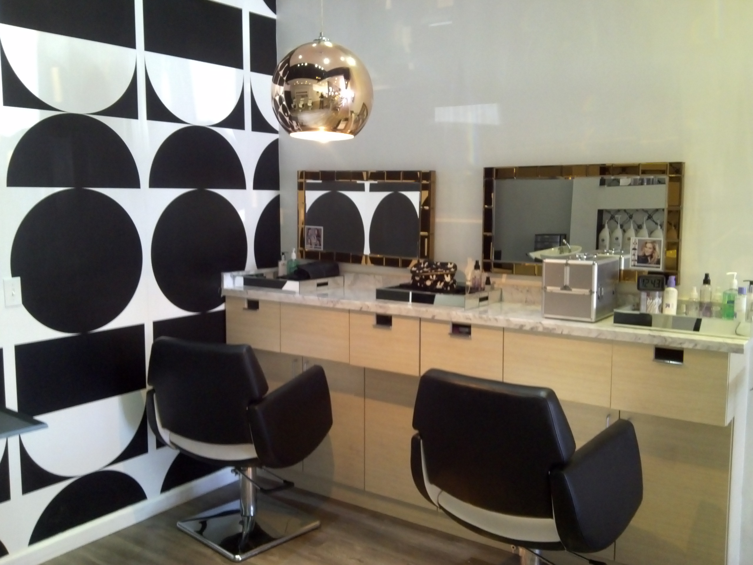 Blowbunny: Blow Dry & Hair Extension Bar image 3