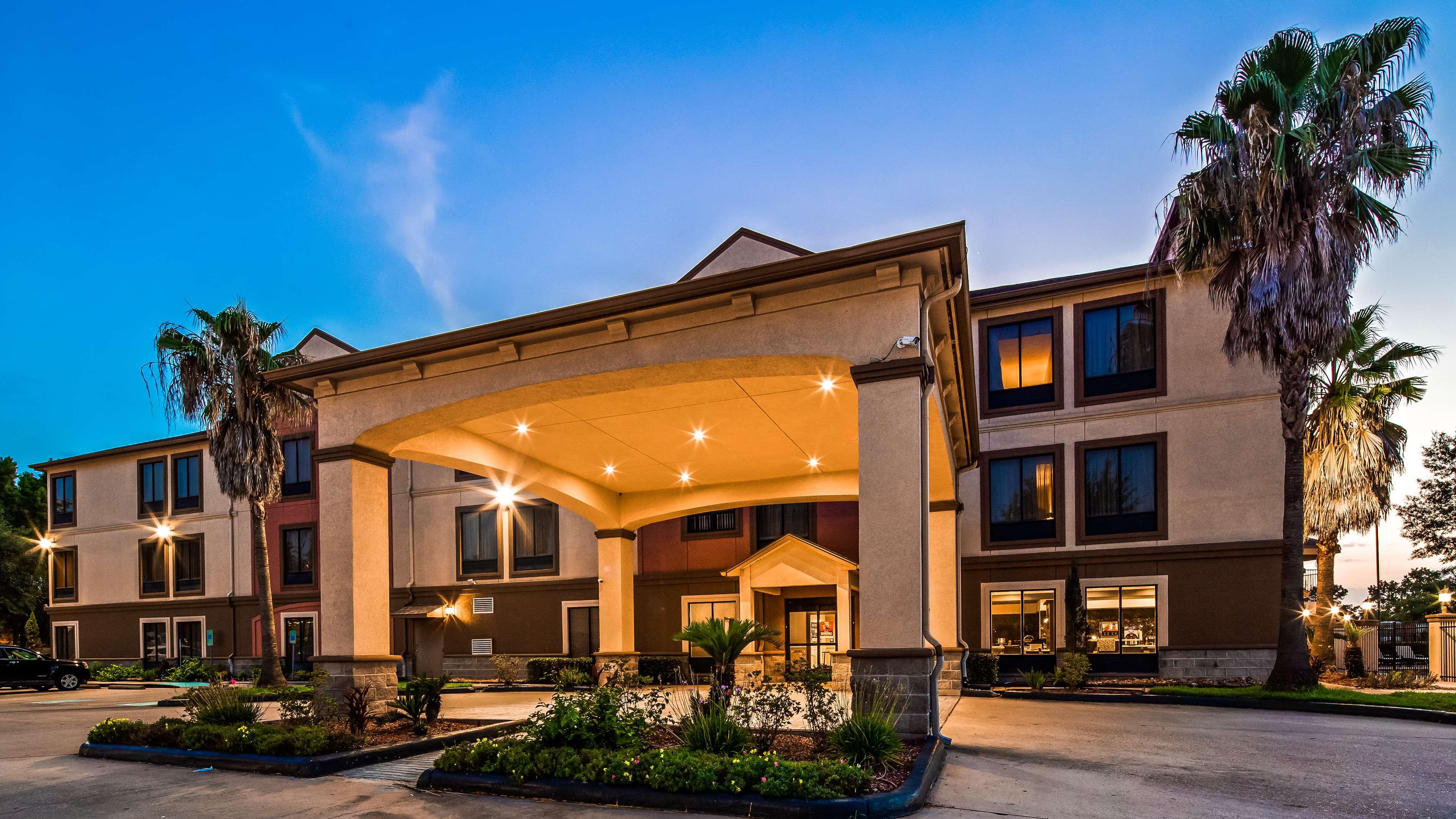 Best Western Plus North Houston Inn & Suites image 1