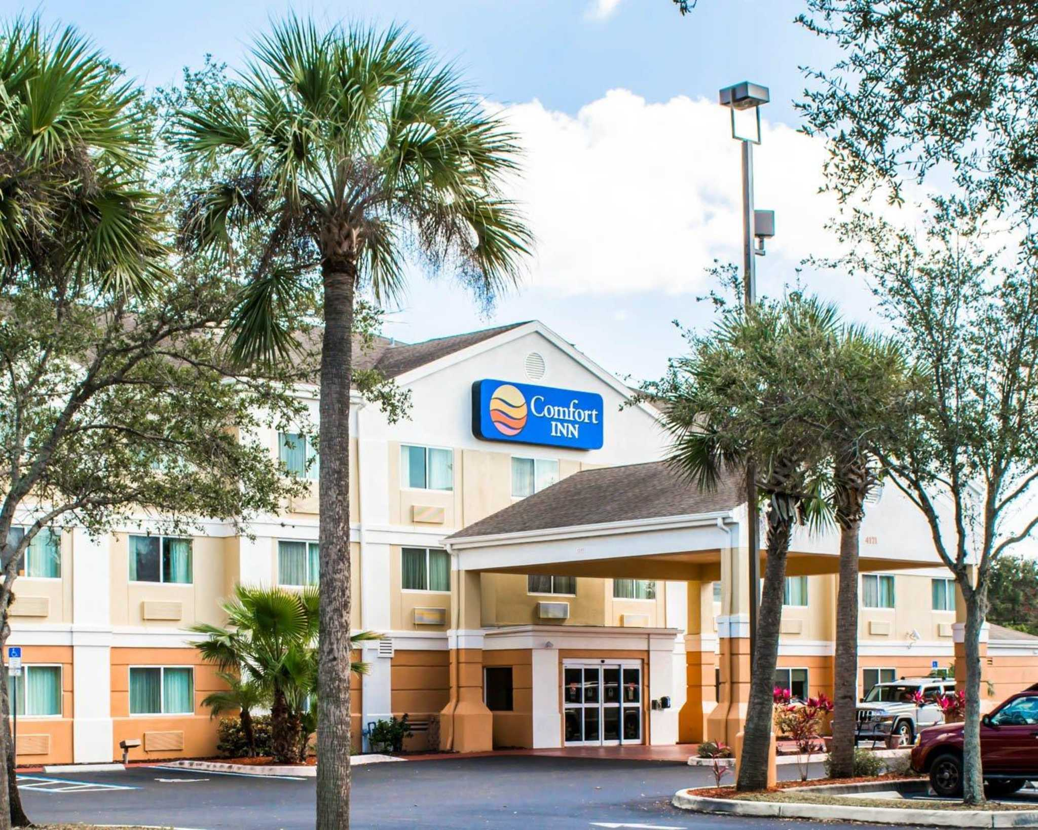Comfort Inn Fort Myers Northeast image 2