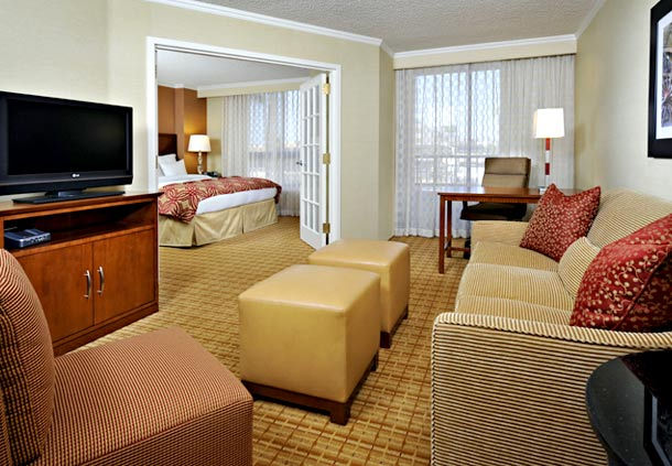 Scottsdale Marriott Suites Old Town image 3