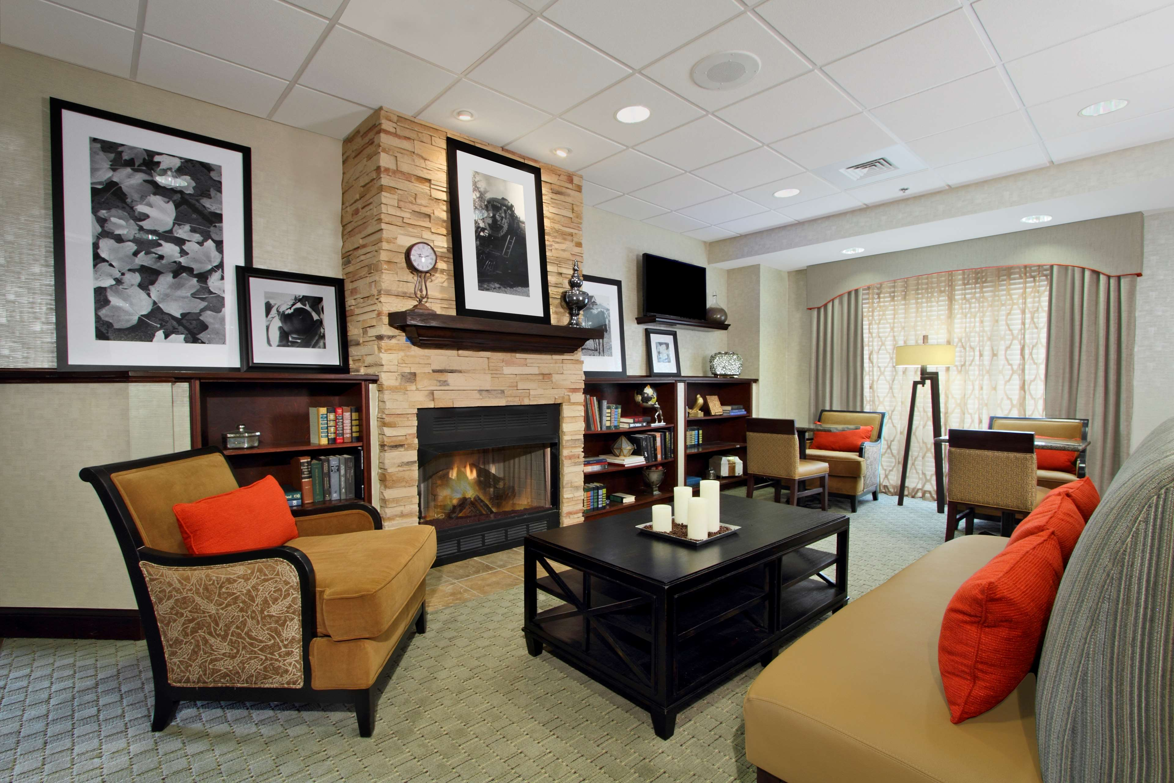 Hampton Inn Jasper image 0