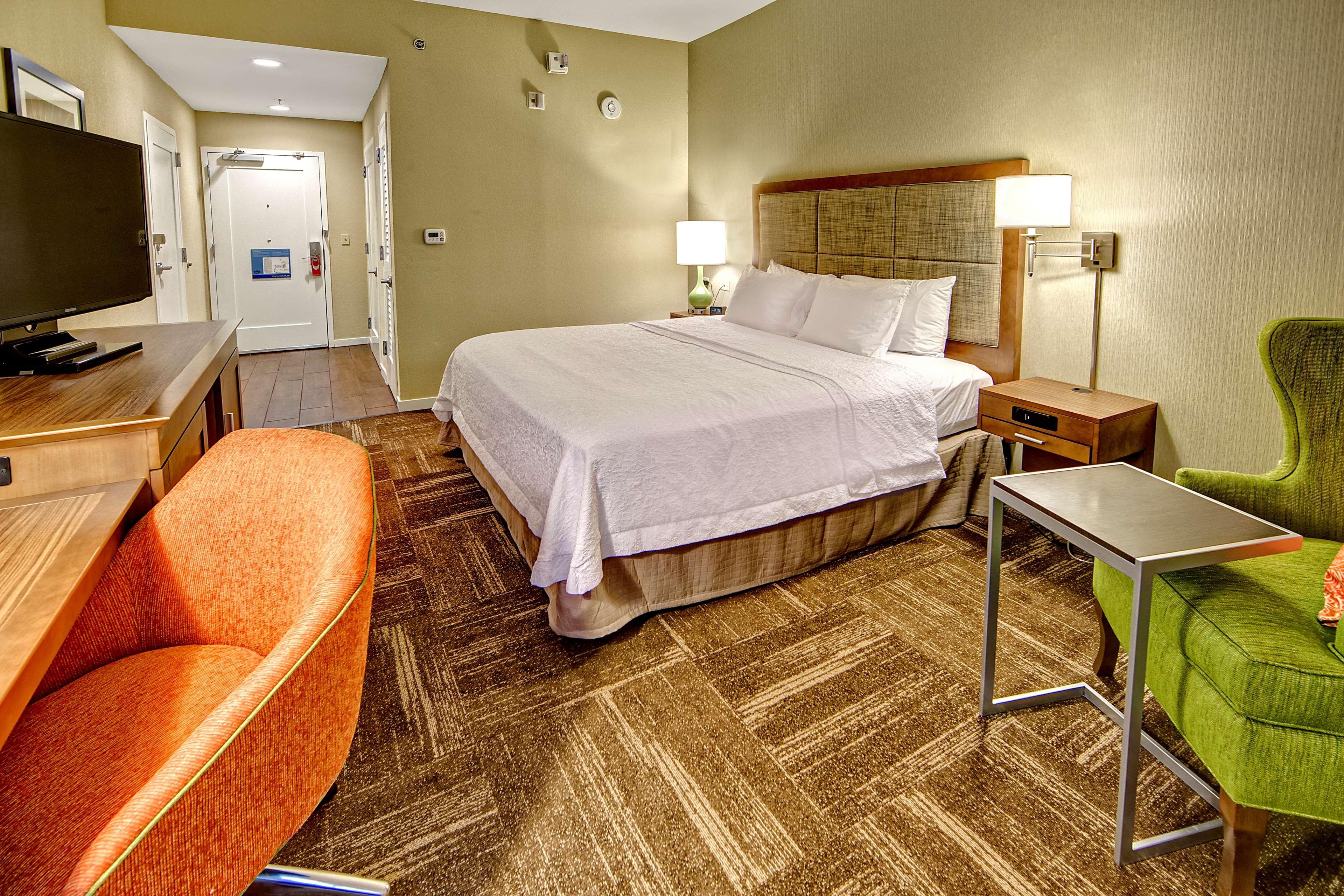 Hampton Inn & Suites Asheville-I-26 image 17