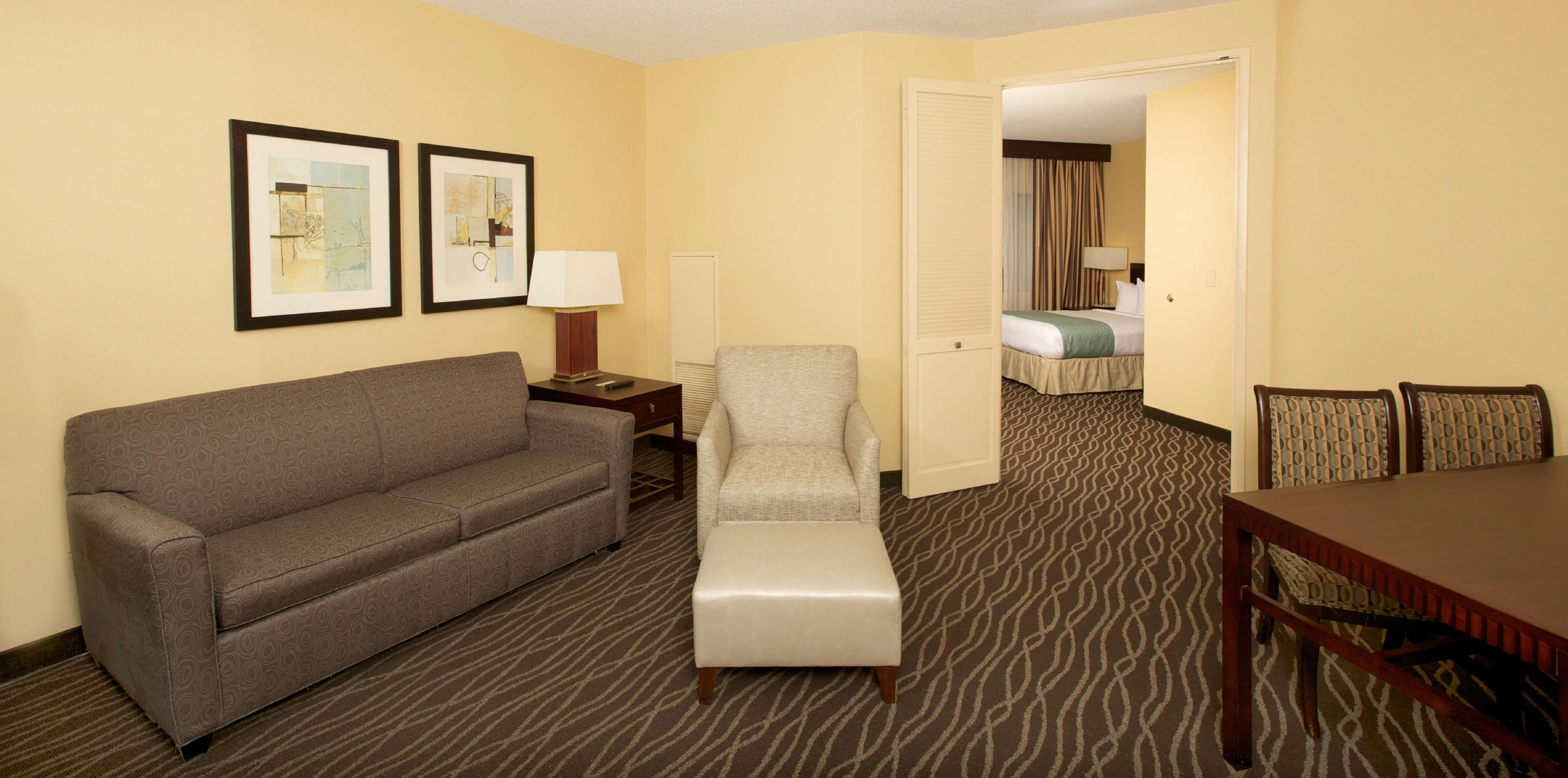 DoubleTree Suites by Hilton Hotel Raleigh - Durham image 25