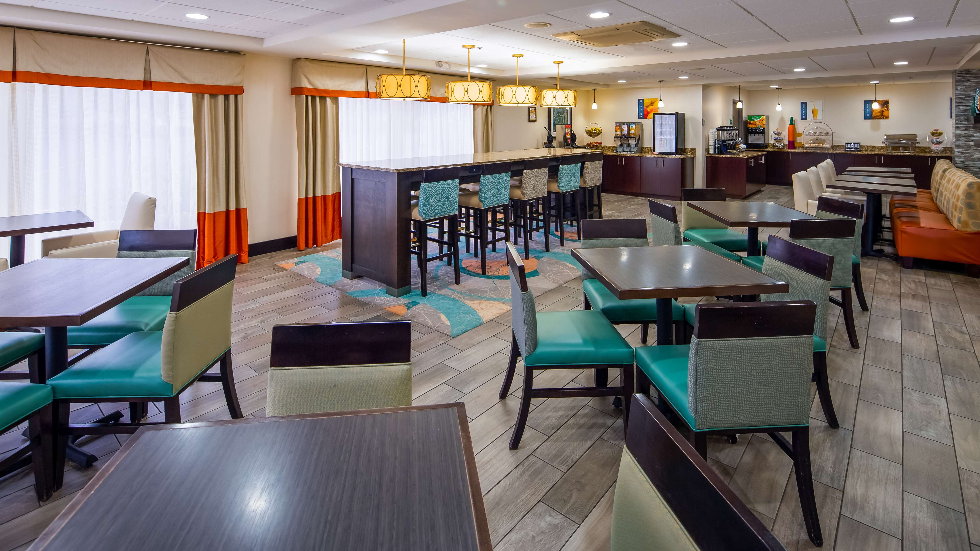 Best Western Plus Chicagoland - Countryside image 3