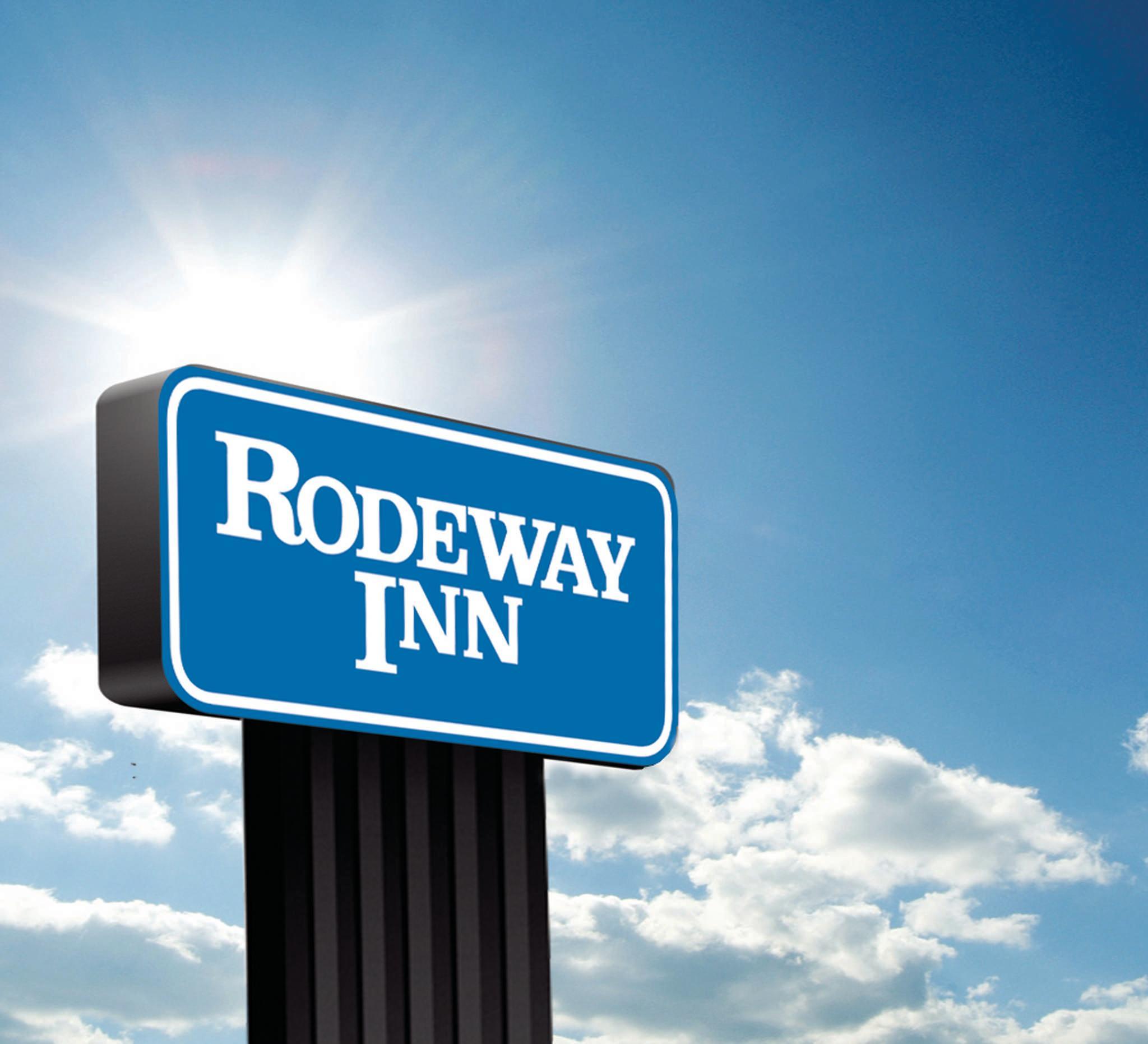 Rodeway Inn image 0