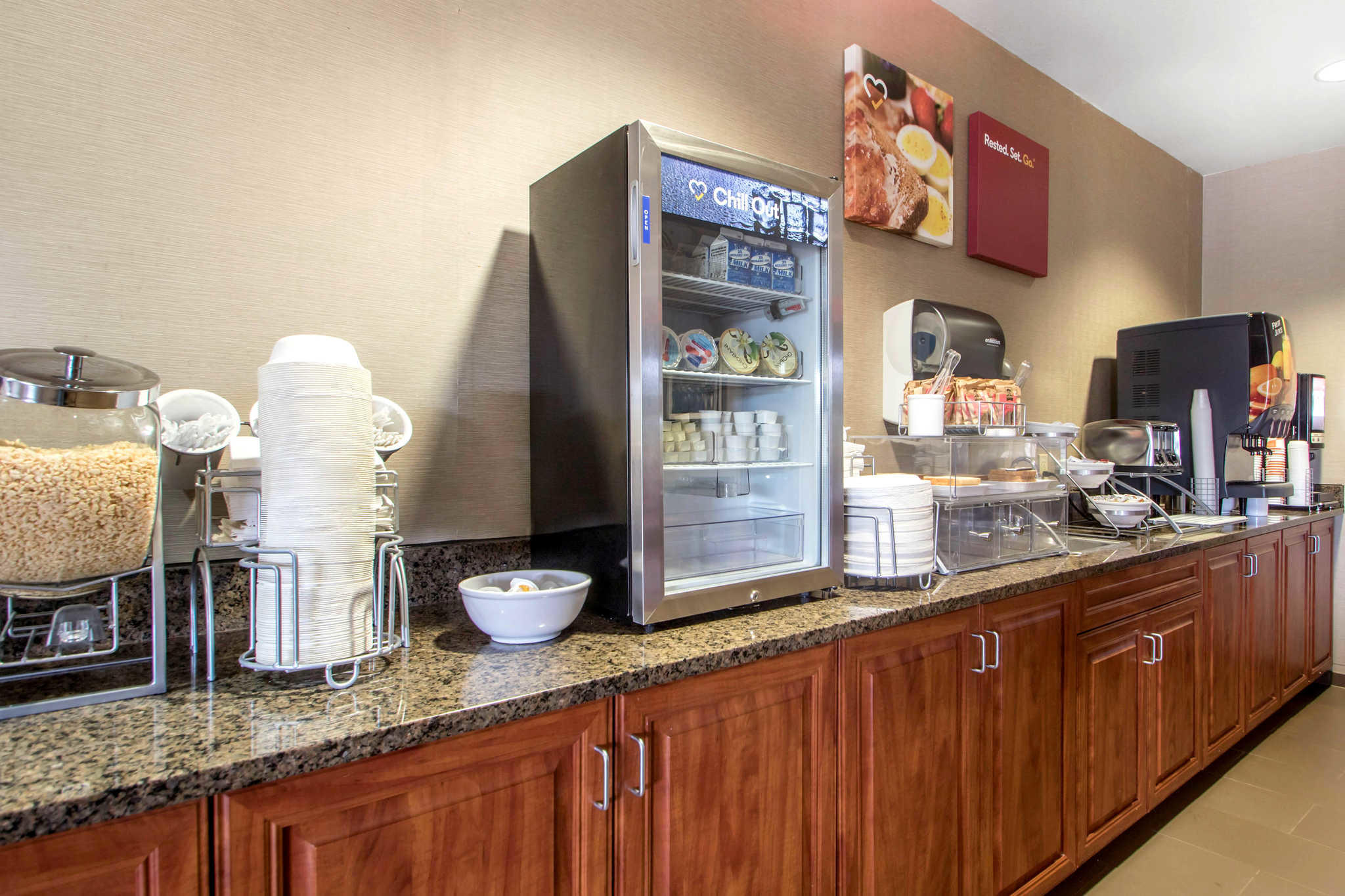 Comfort Suites Johnson Creek Conference Center image 22
