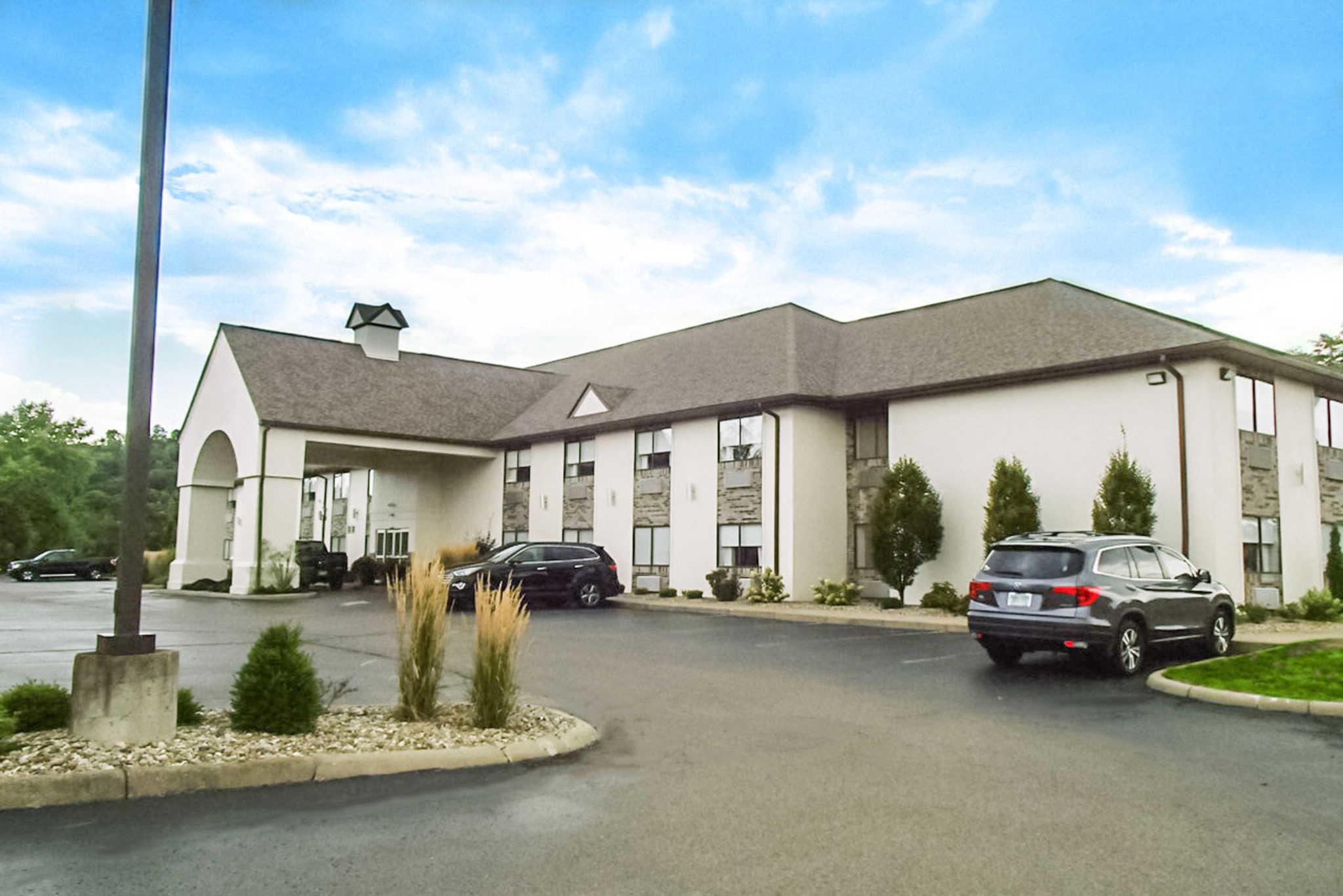 Schoenbrunn Inn & Conf. Center, an Ascend Hotel Collection Member image 0