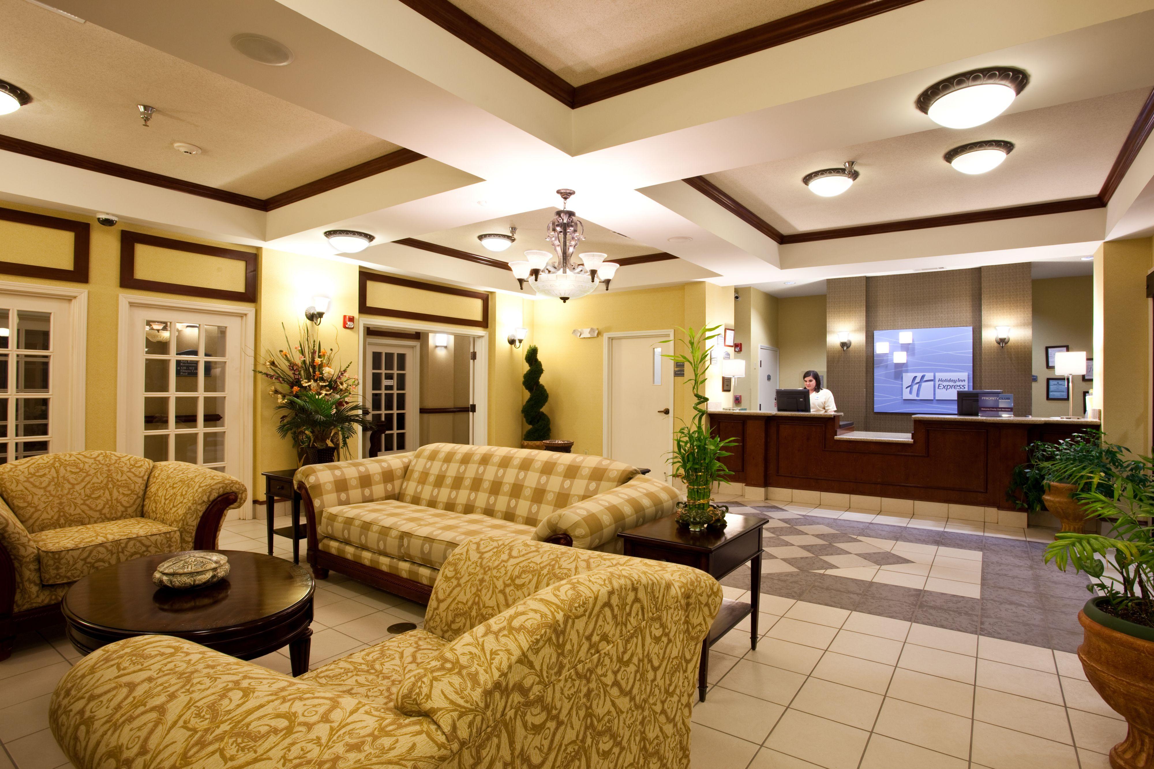 Holiday Inn Express Clanton image 4