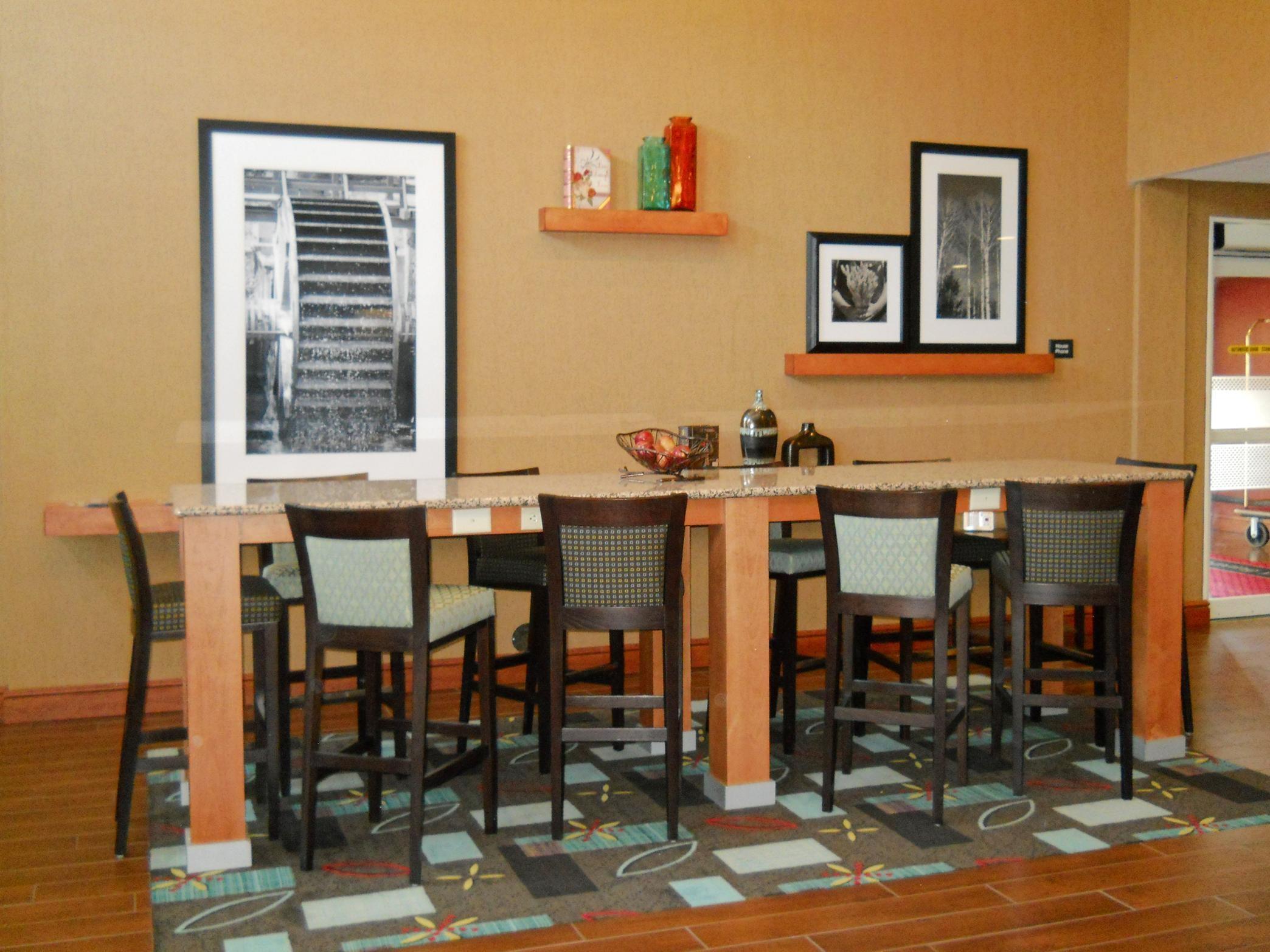 Hampton Inn & Suites Greenfield image 24