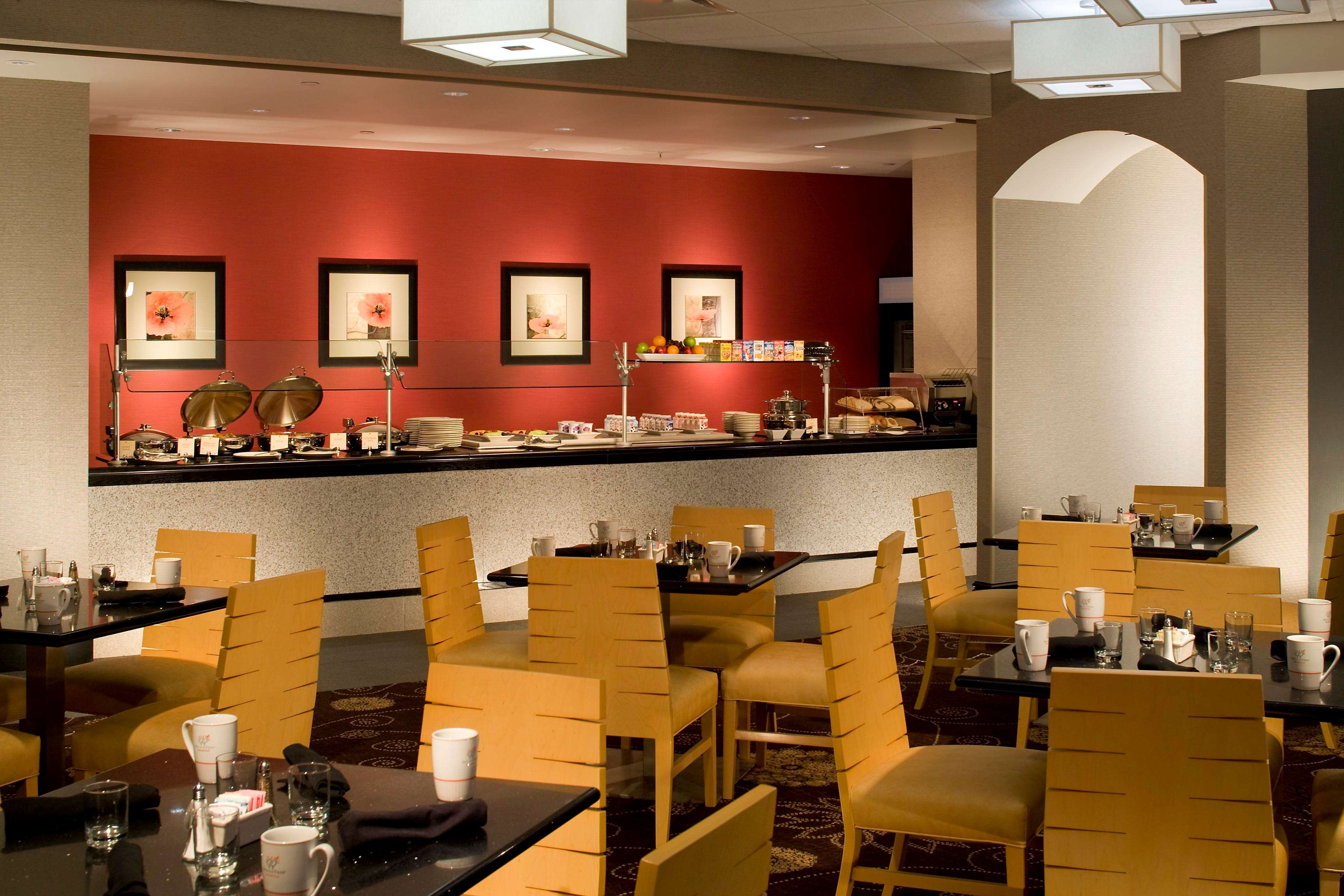 DoubleTree by Hilton Hotel Pittsburgh - Monroeville Convention Center image 6