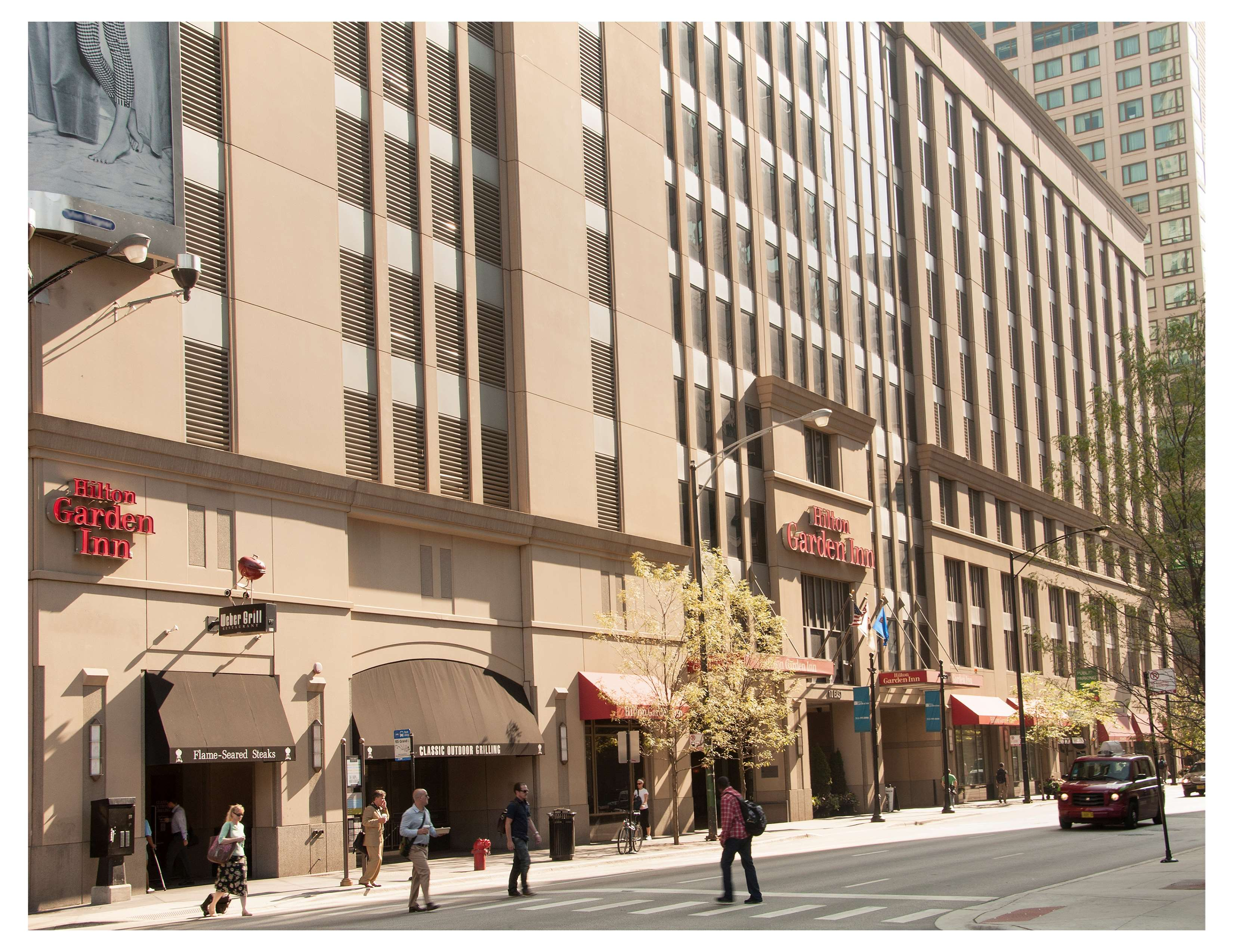 Hilton Garden Inn Chicago Downtown/Magnificent Mile image 1