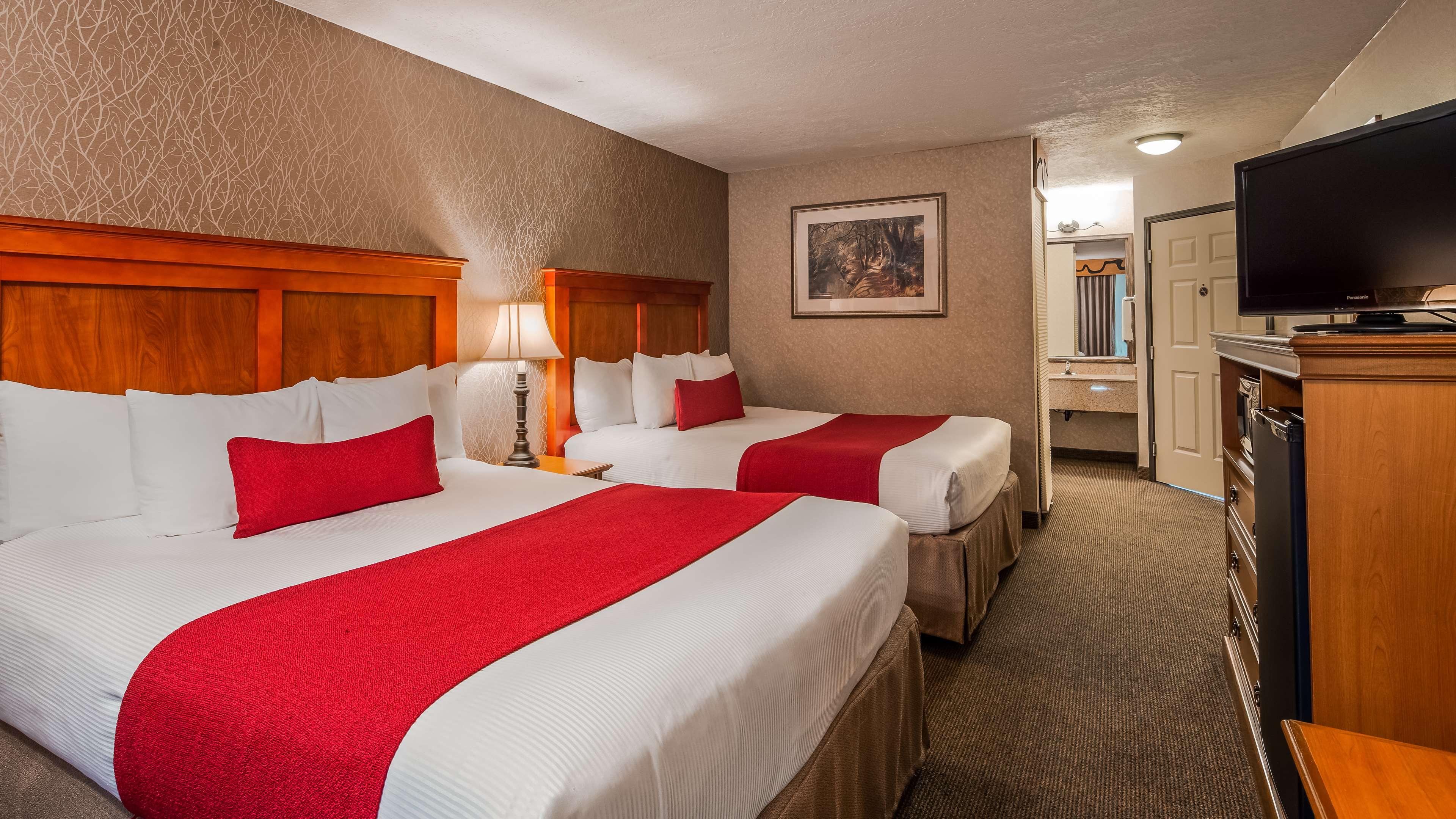 Best Western Plus Rivershore Hotel image 14