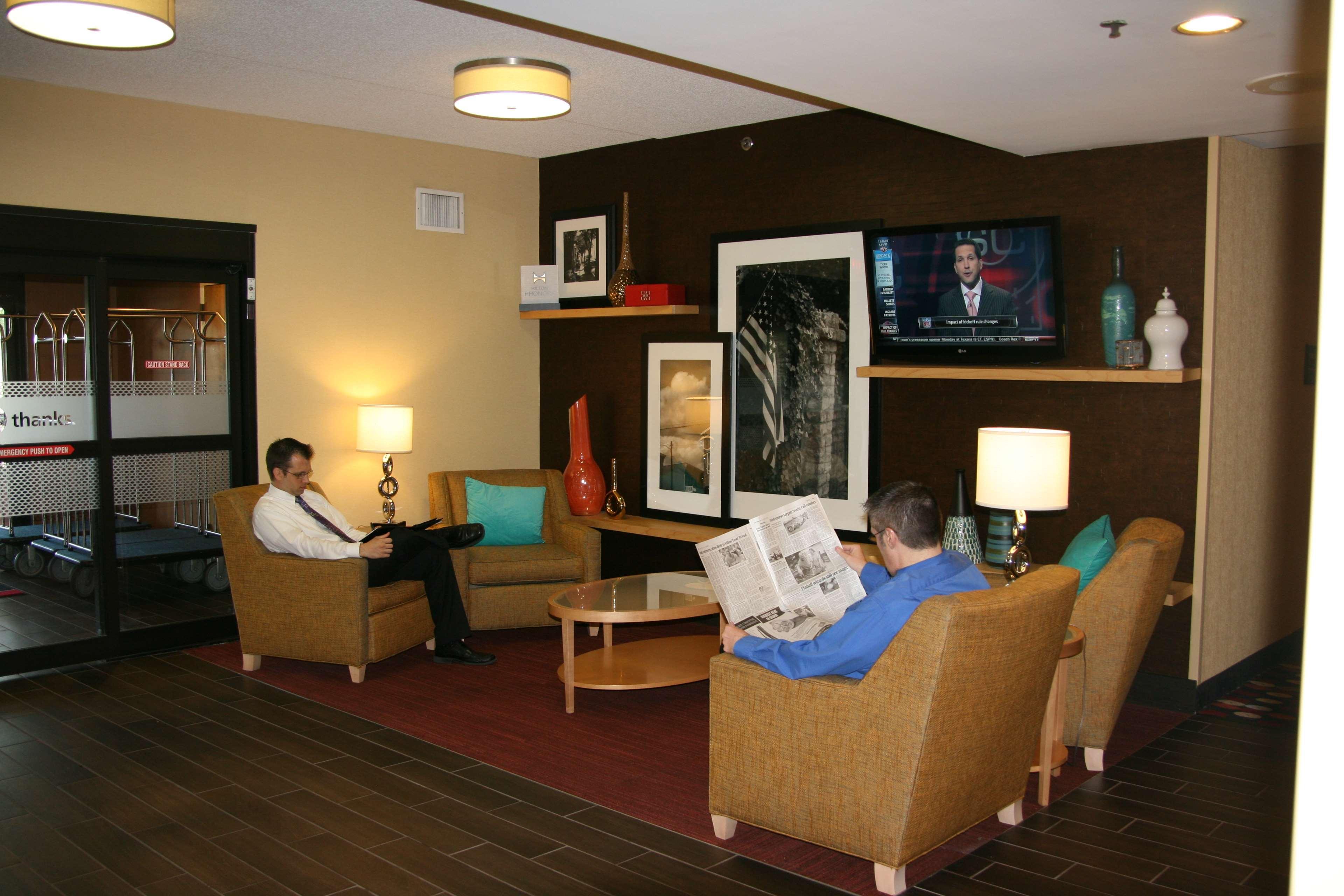 Hampton Inn Louisville-Airport image 3