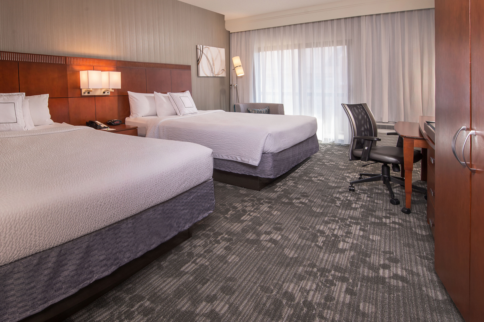 Hotel With Free Shuttle To Dulles Airport