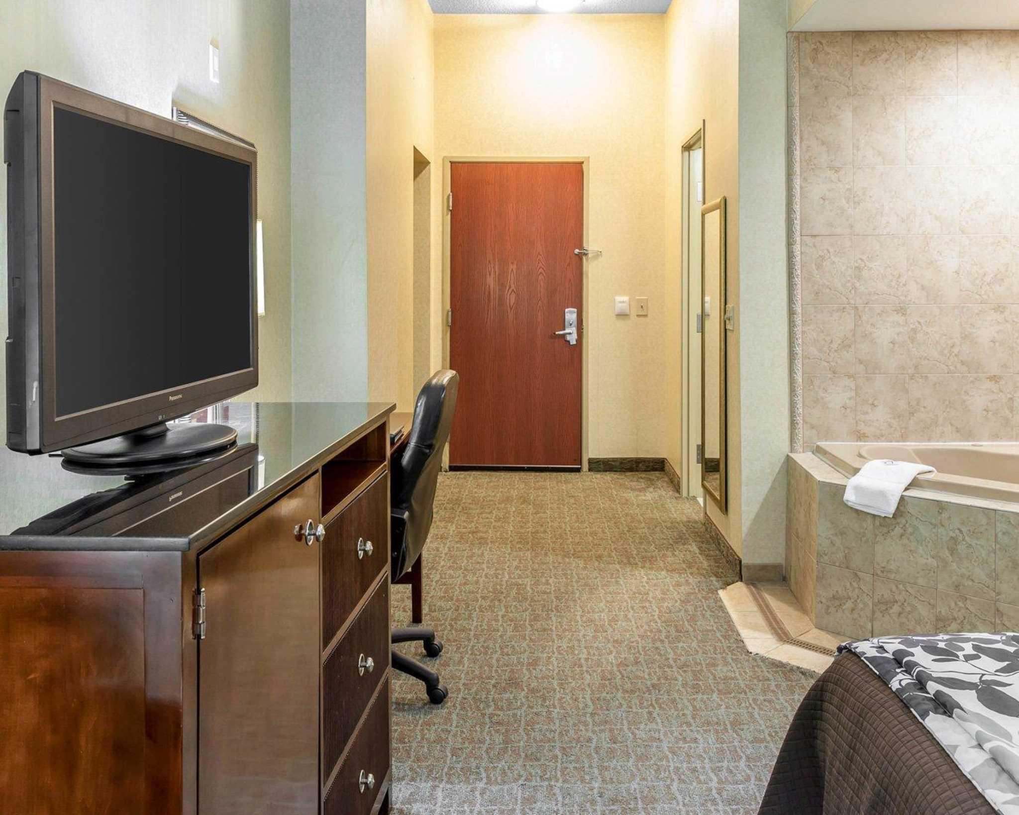Sleep Inn & Suites Upper Marlboro near Andrews AFB image 6
