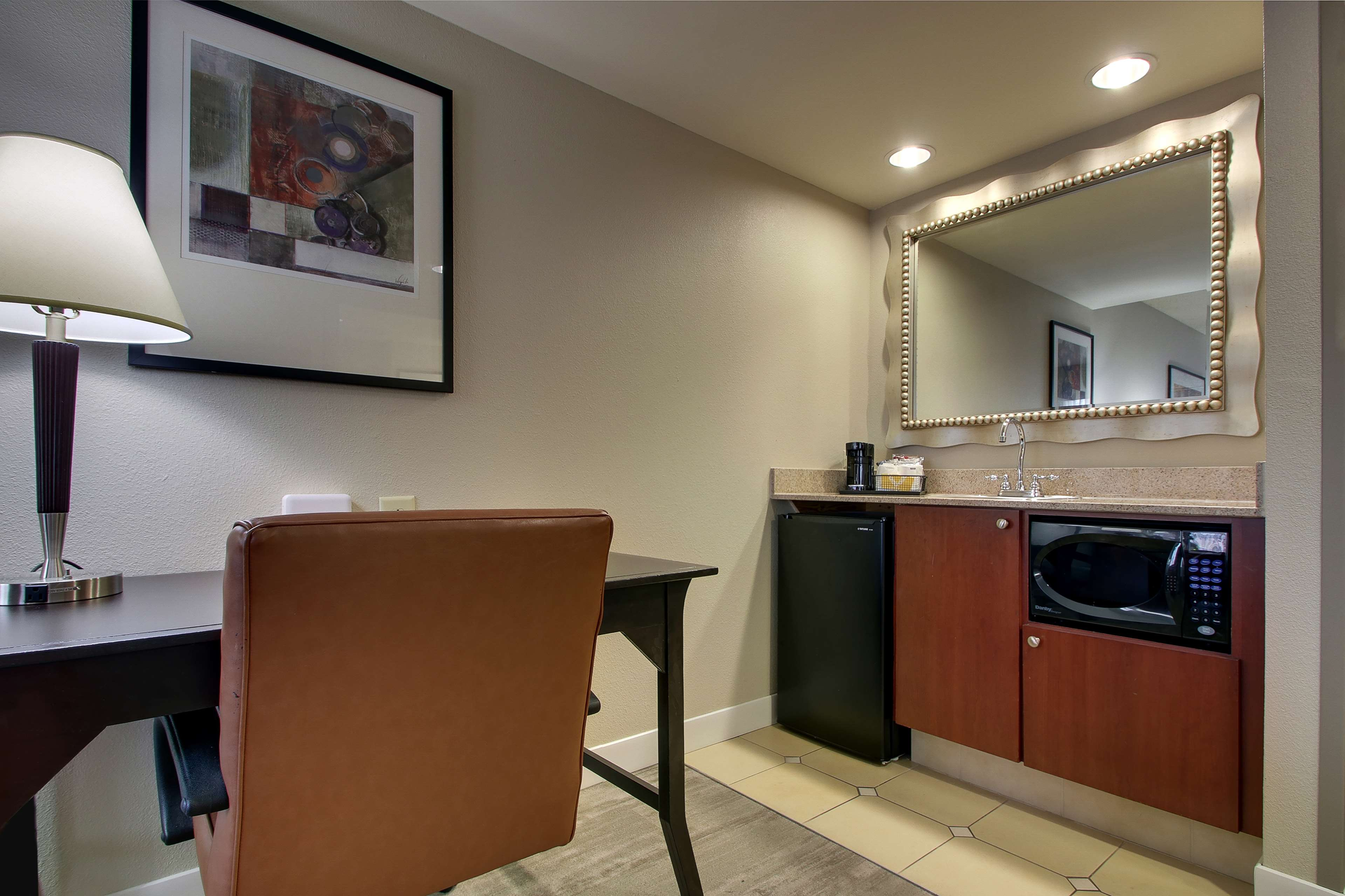 Hampton Inn & Suites Spartanburg-I-26-Westgate Mall image 27