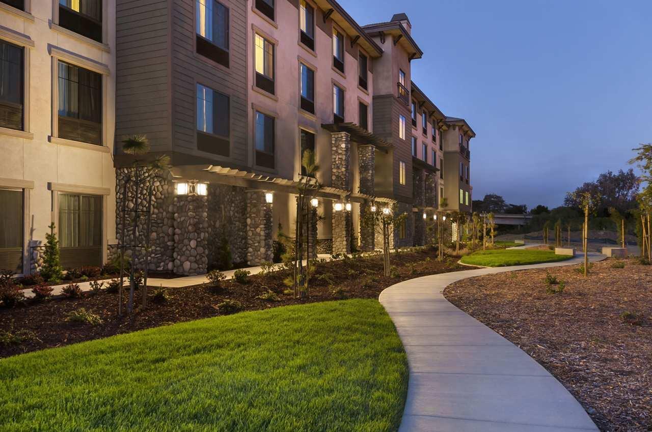 Hampton Inn & Suites San Luis Obispo image 1