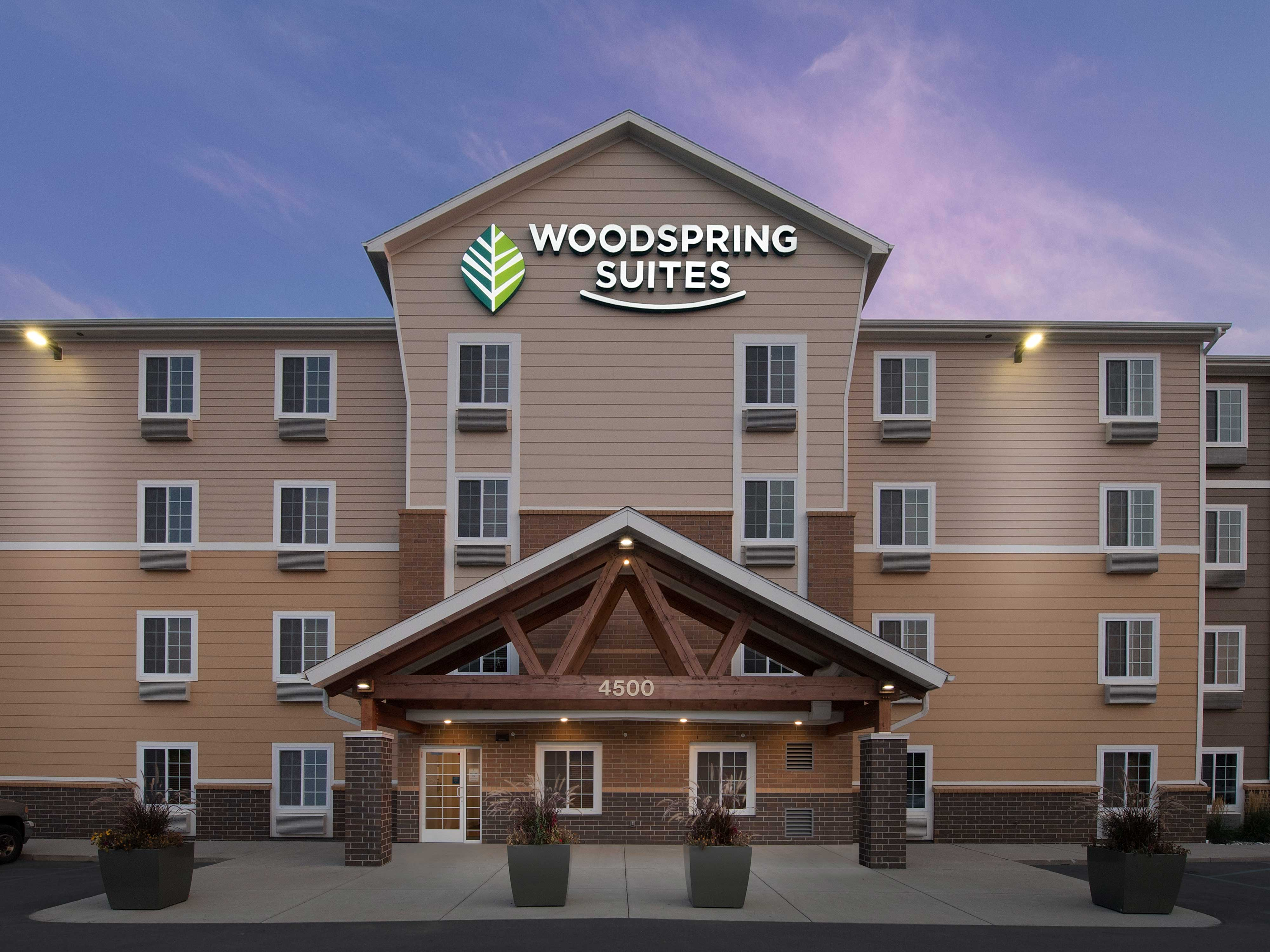WoodSpring Suites Grand Rapids South image 18