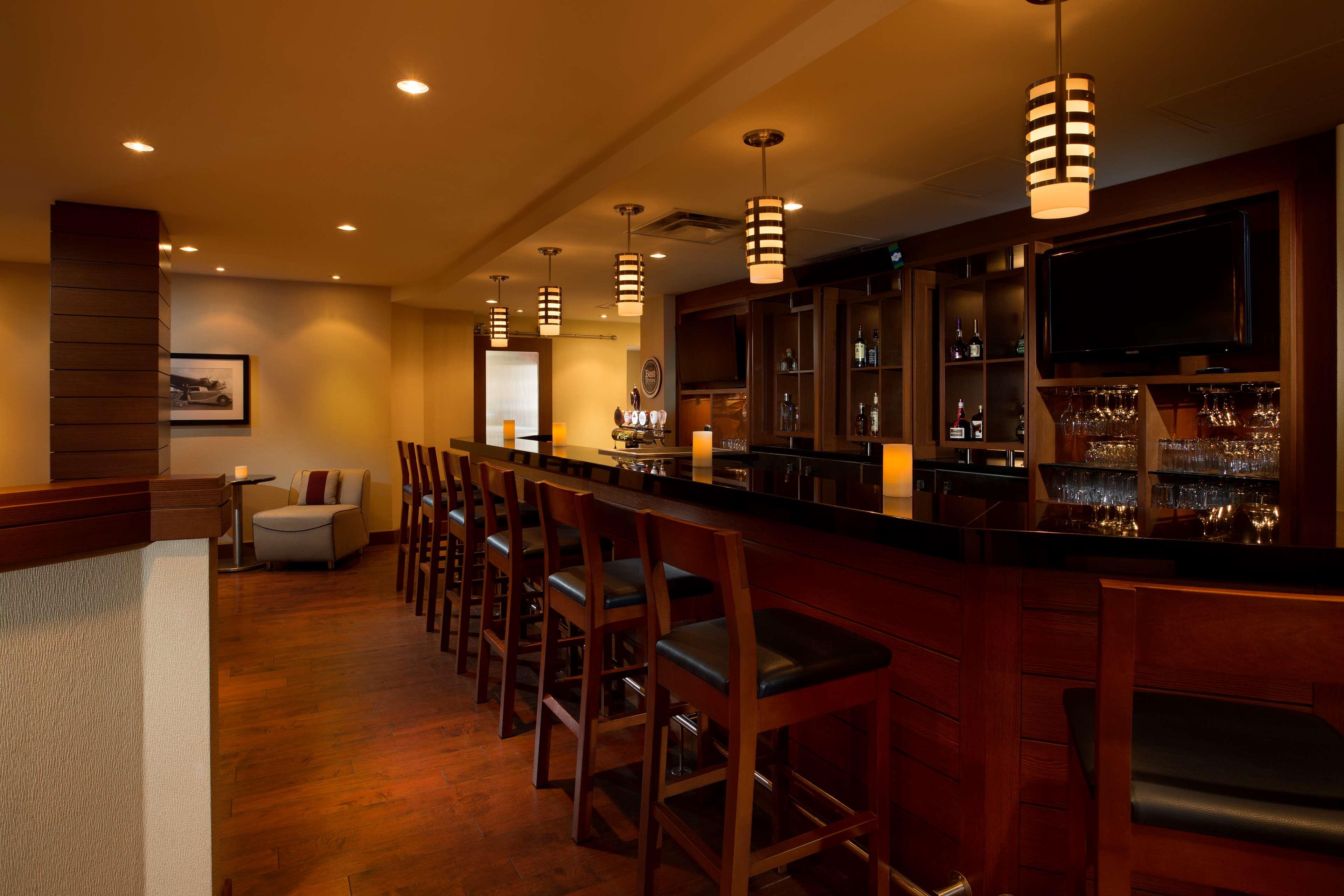 Four Points by Sheraton Hotel & Conference Centre Gatineau-Ottawa à Gatineau: Lounge