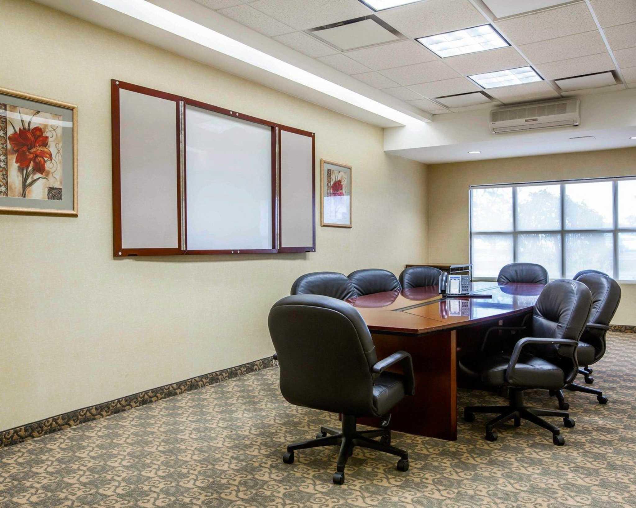 Comfort Inn & Suites adj to Akwesasne Mohawk Casino image 34