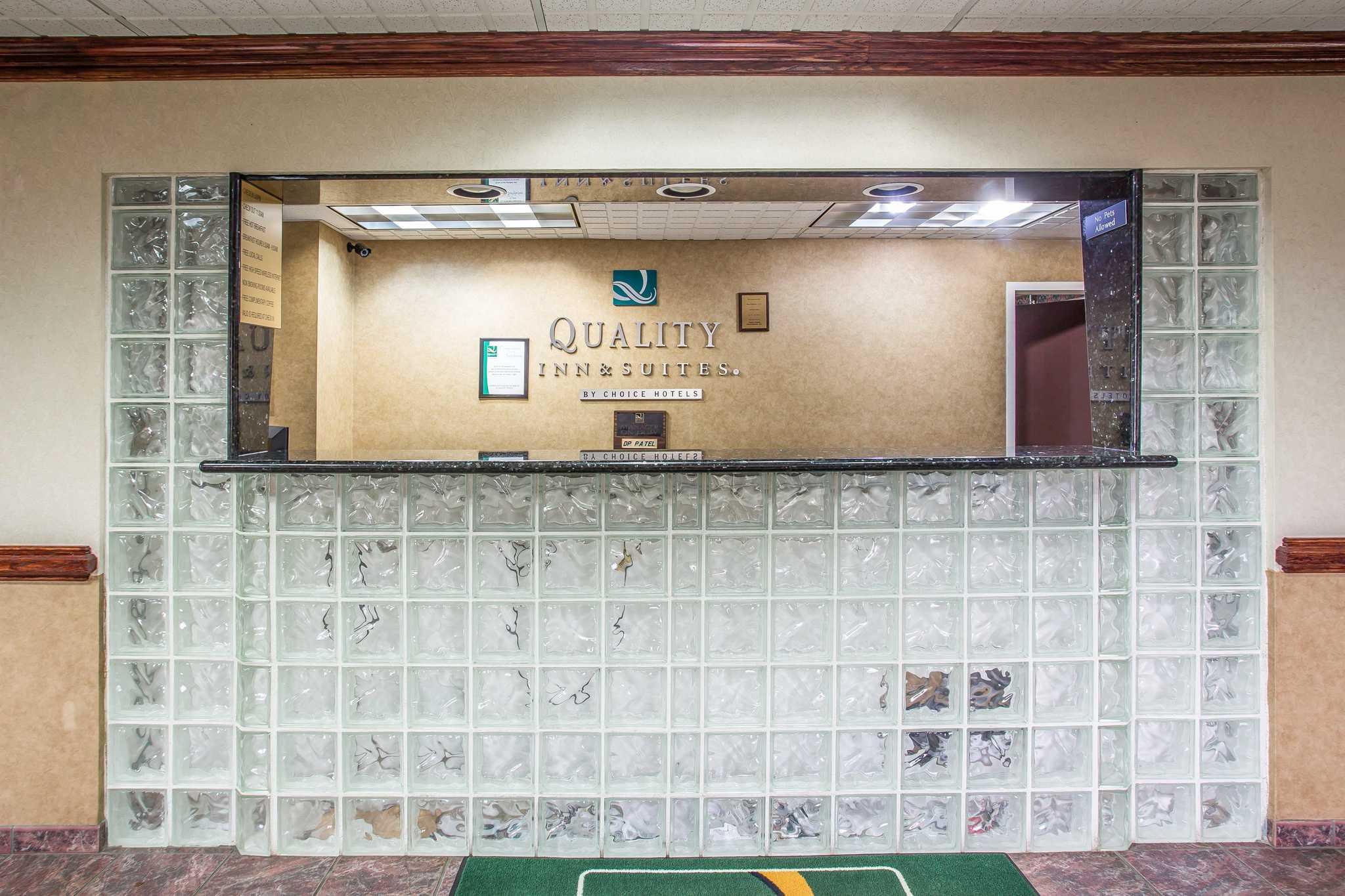 Quality Inn & Suites Ft. Jackson Maingate image 26