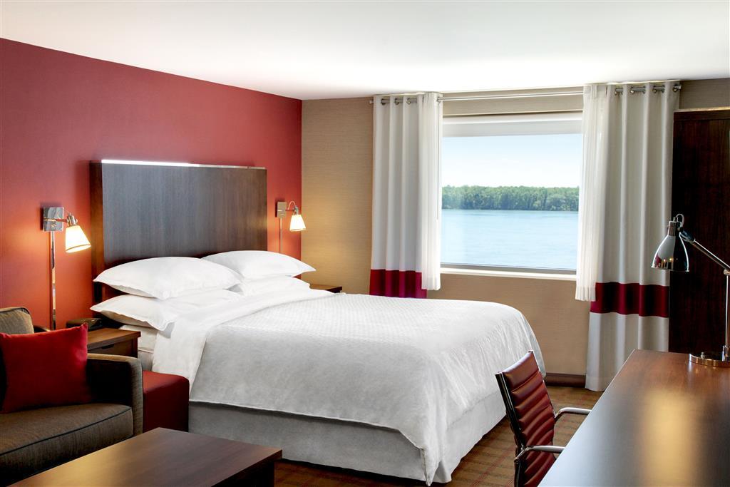 Four Points by Sheraton Niagara Falls image 9