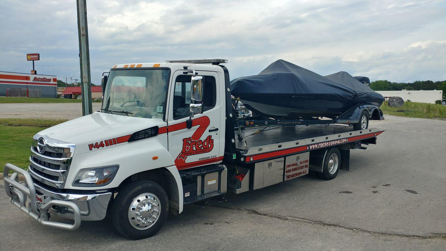 Fred's Towing & Transport image 16