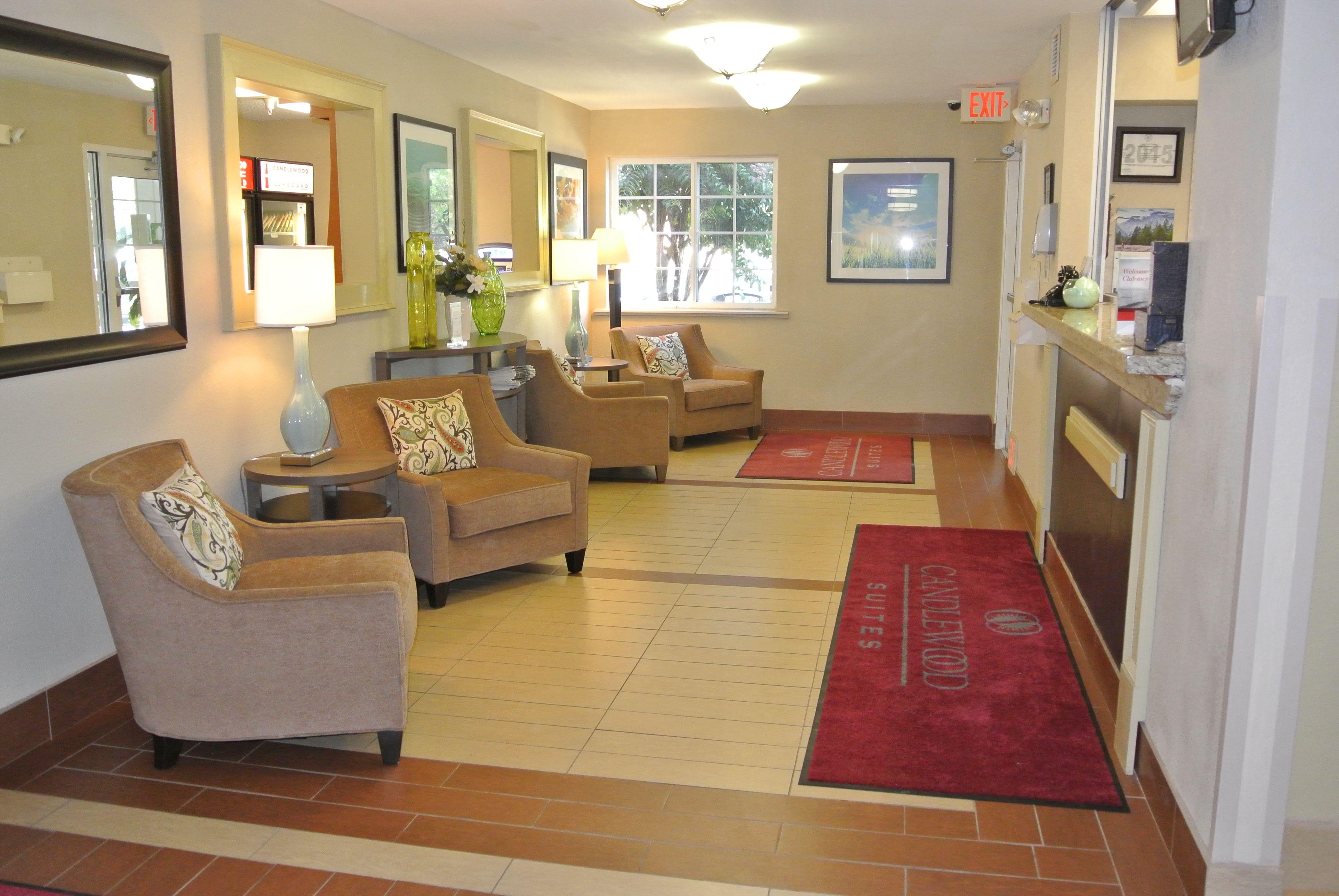 Candlewood Suites Washington-Fairfax image 3