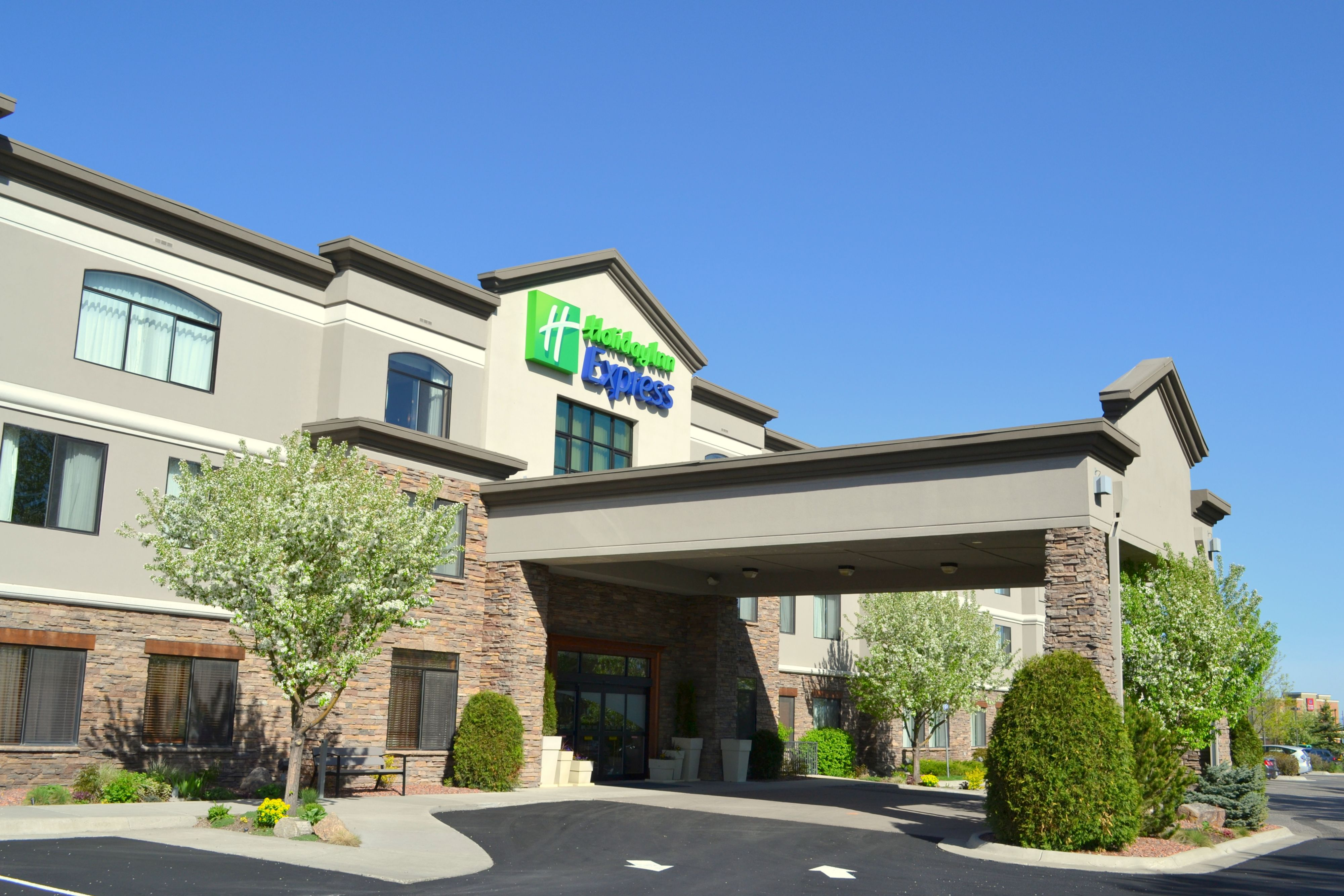 Holiday Inn Express Bowling Green In Bowling Green Ky Whitepages