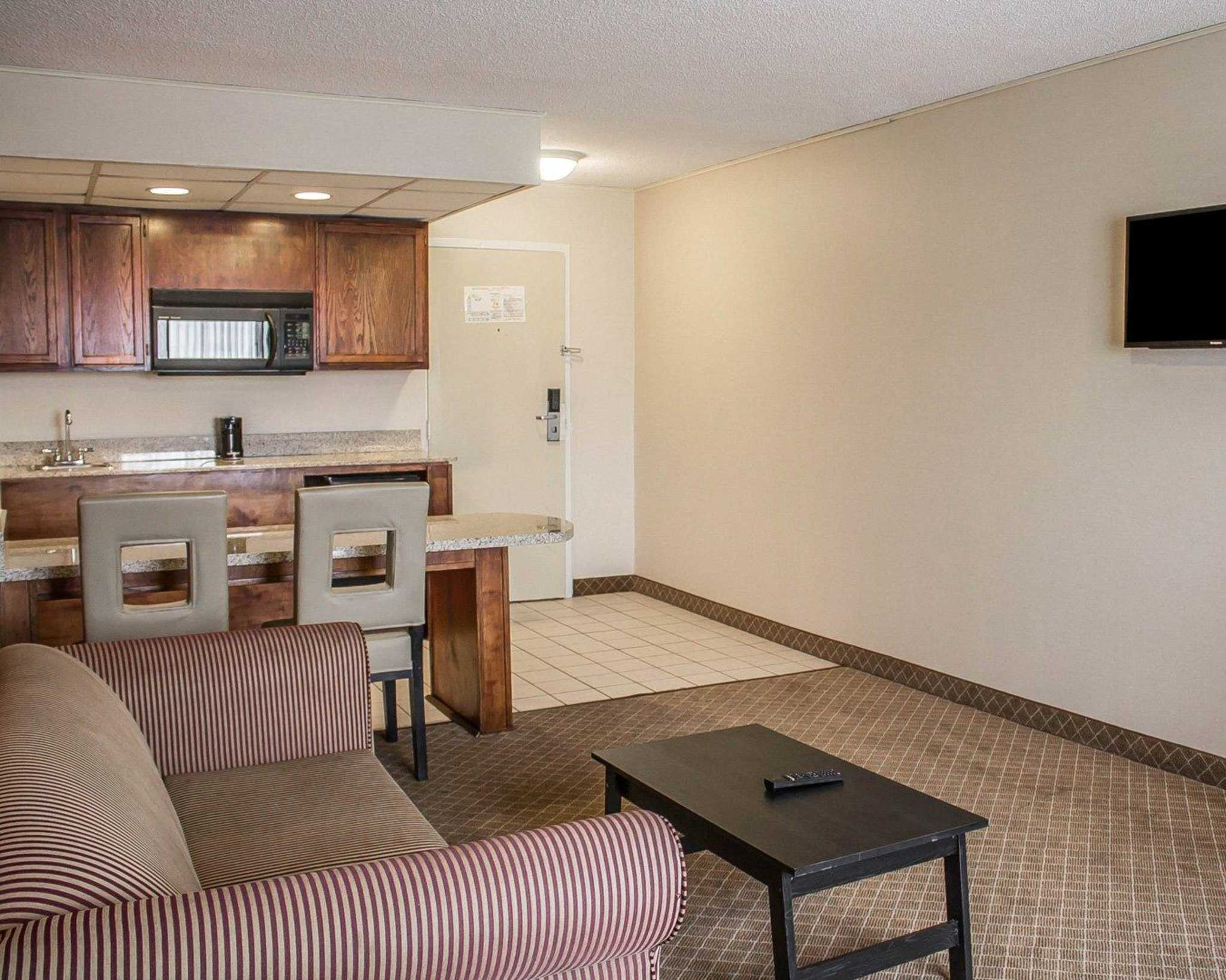 Comfort Inn North Conference Center image 41