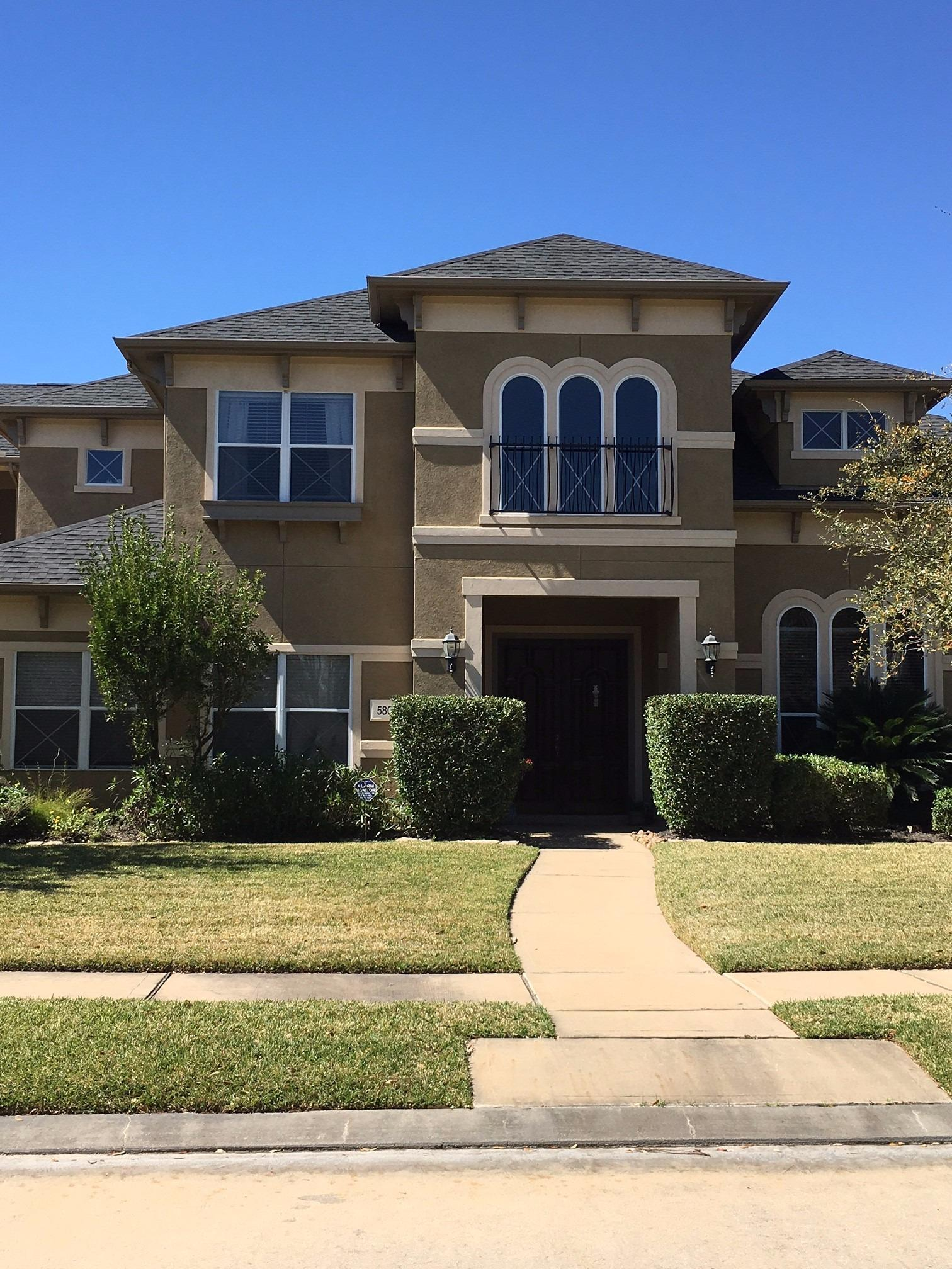 Houston Roofing & Construction image 7