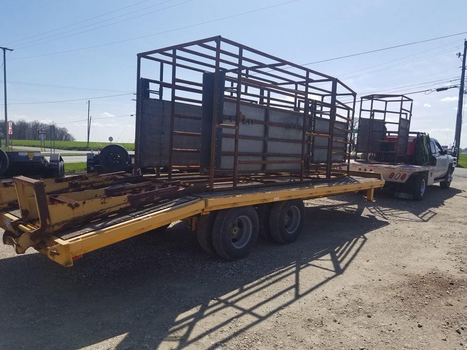 Amos Livestock Equipment image 6