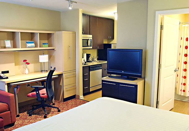TownePlace Suites by Marriott Huntington image 5