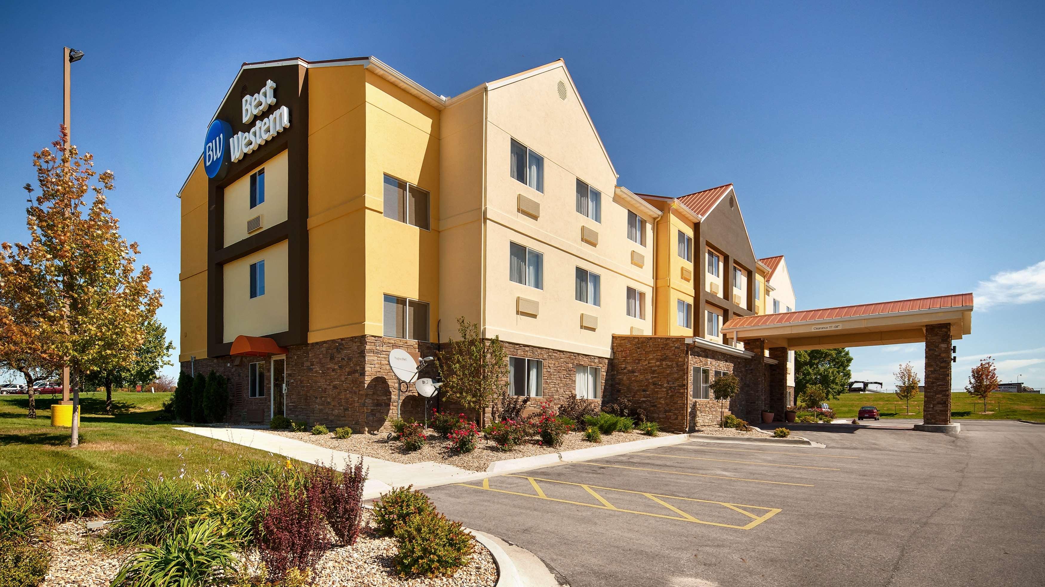 Best Western Pearl City Inn image 1